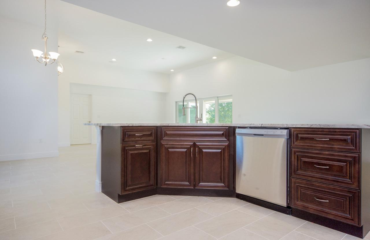 Listing photo id 23 for 1701 Cascade Road Sw
