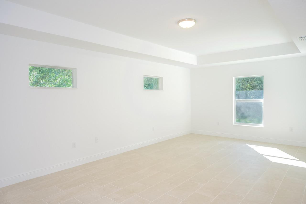 Listing photo id 46 for 1701 Cascade Road Sw