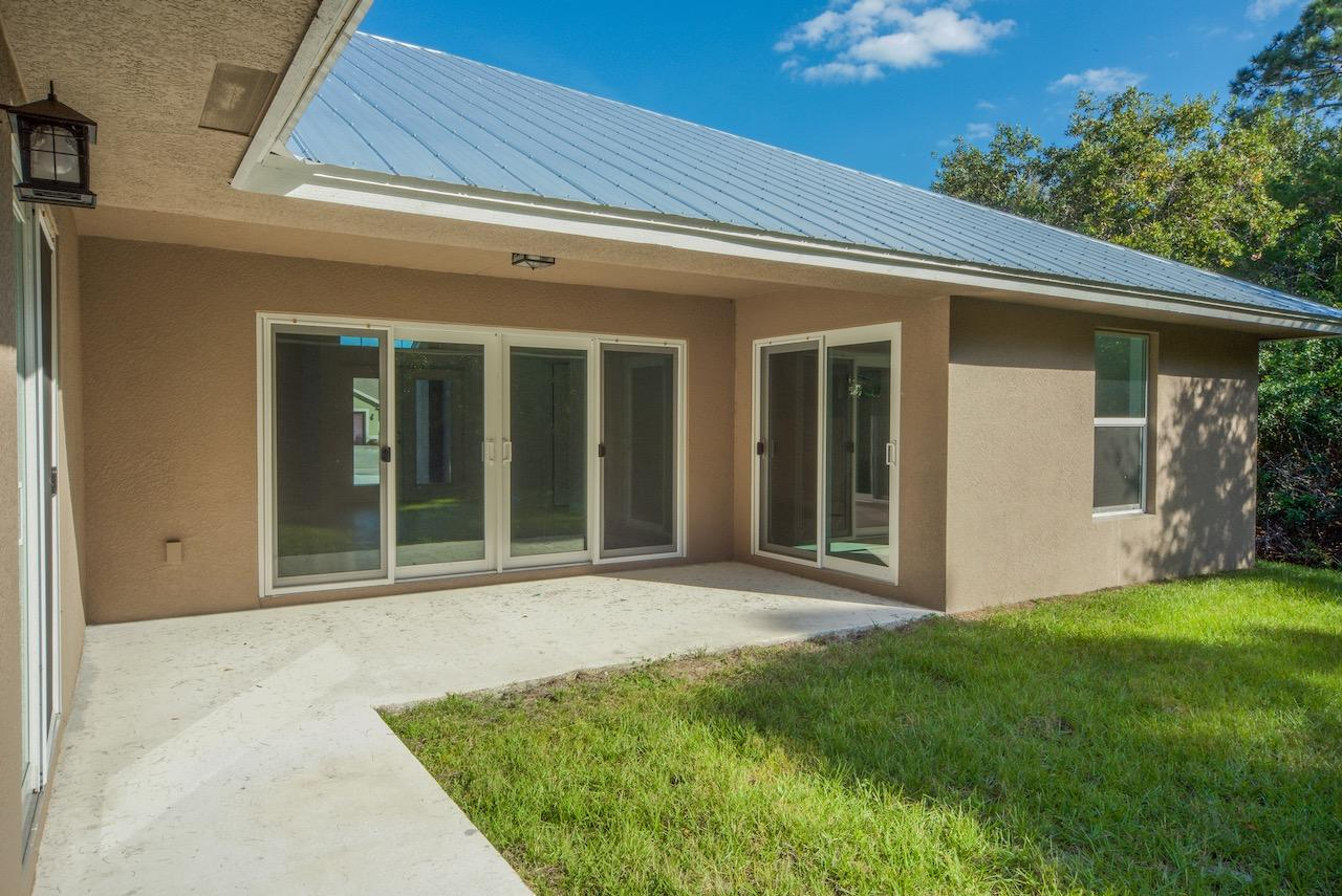 Listing photo id 68 for 1701 Cascade Road Sw