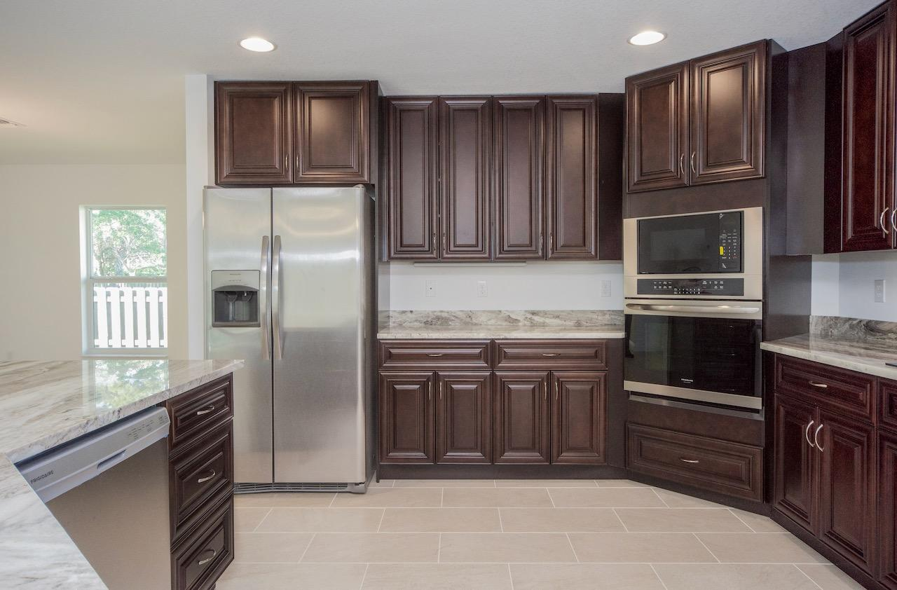 Listing photo id 15 for 2219 Salmon Road Sw