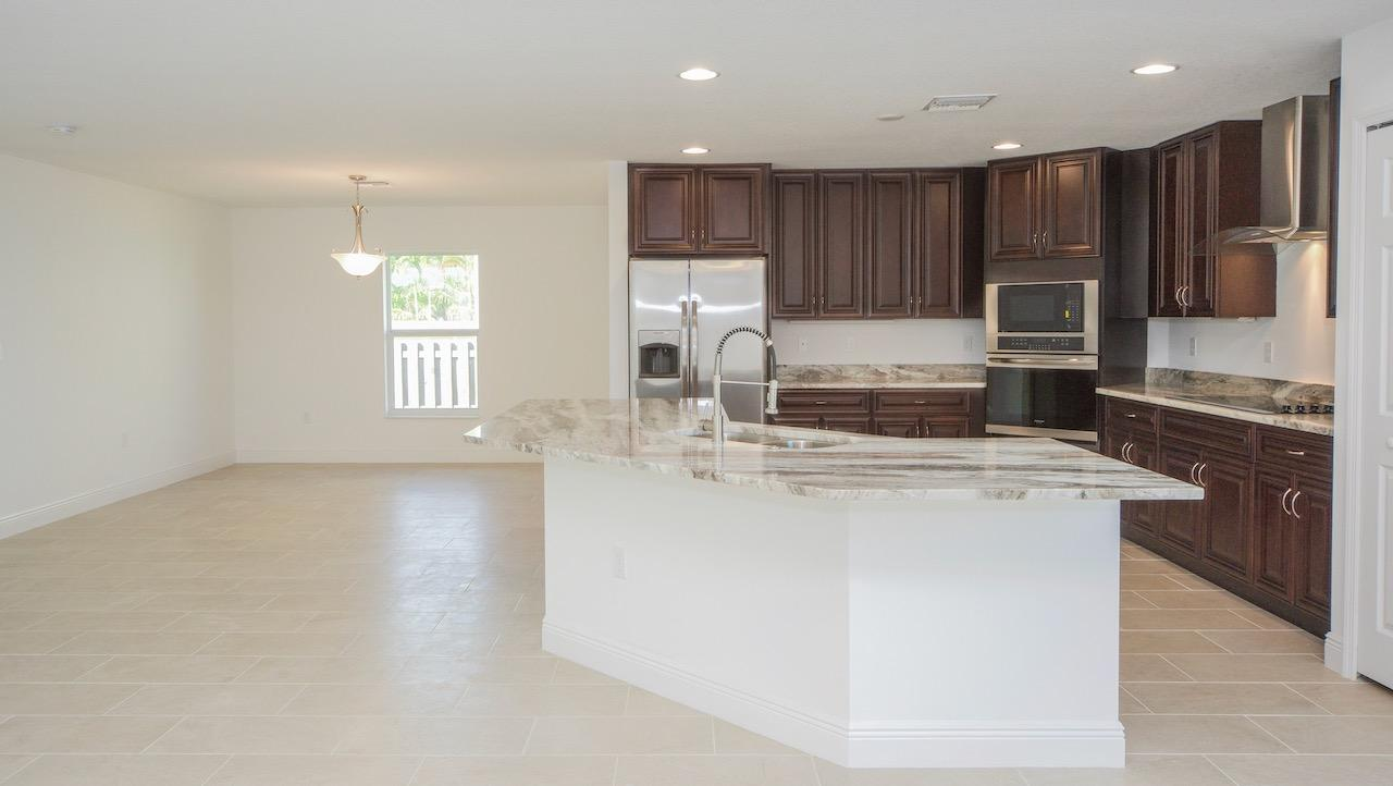 Listing photo id 26 for 2219 Salmon Road Sw