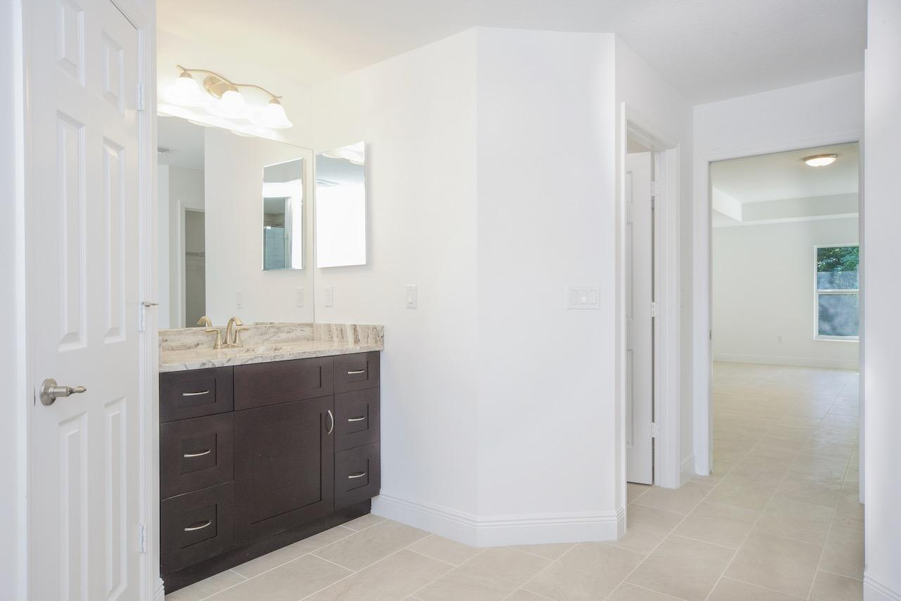 Listing photo id 55 for 2219 Salmon Road Sw