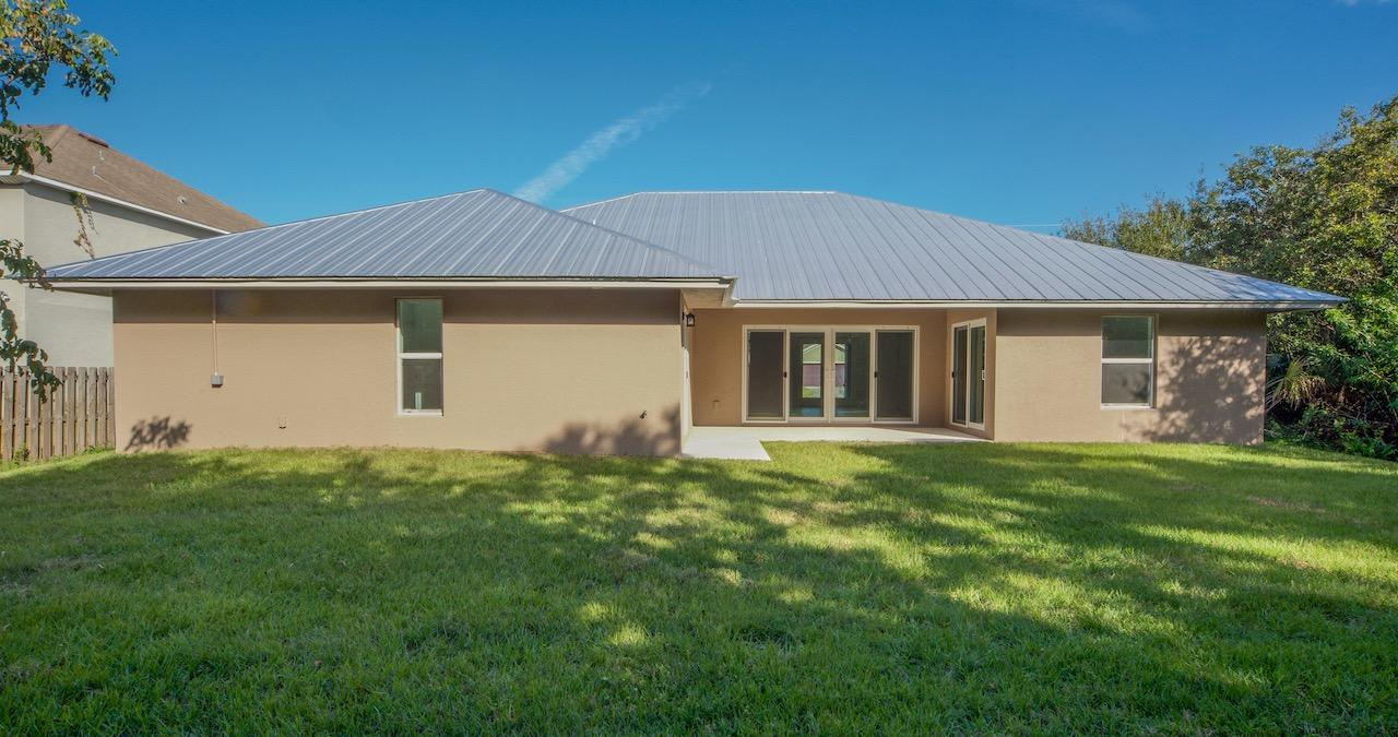 Listing photo id 64 for 2219 Salmon Road Sw
