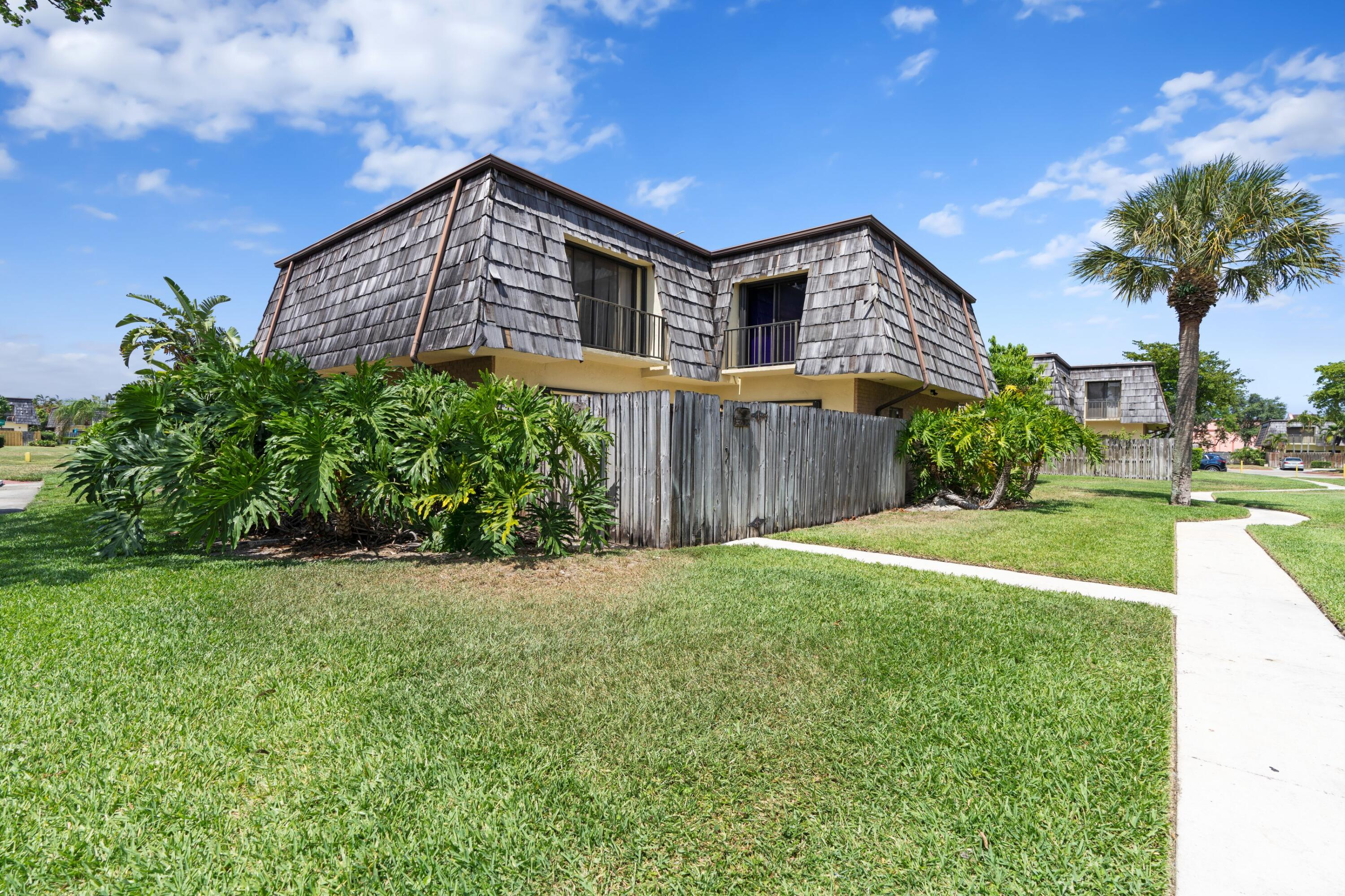 4636  Cherry Road  For Sale 10719930, FL