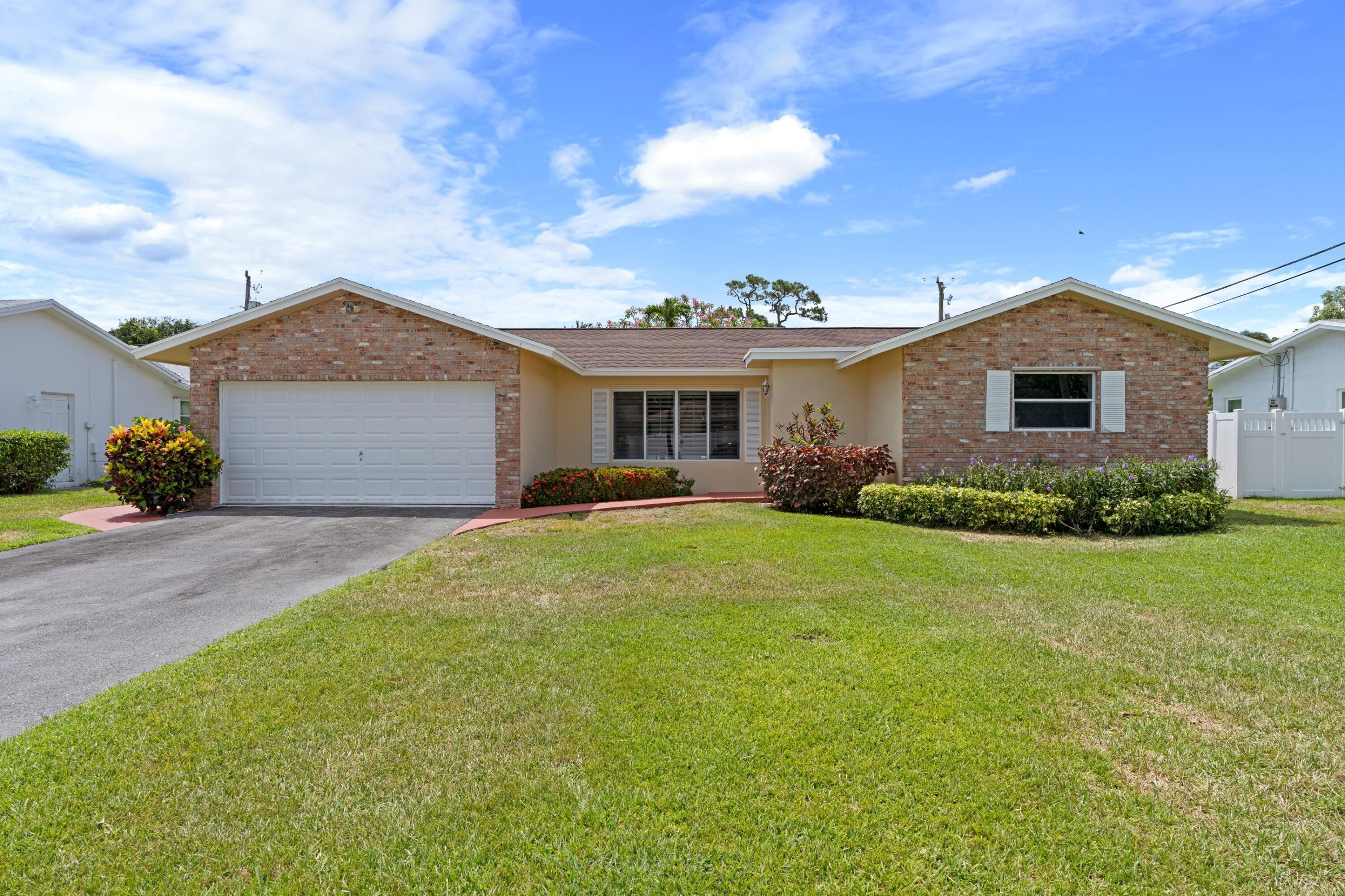 4940 NW 3rd Terrace  For Sale 10719923, FL
