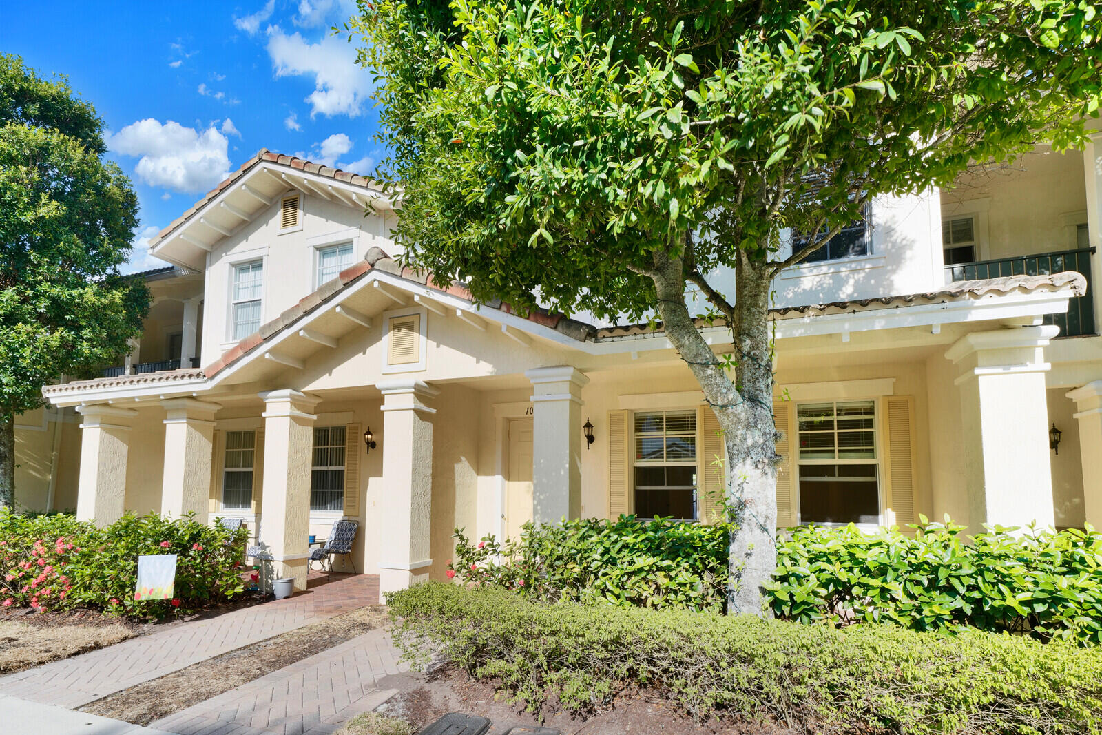 1085 NW 18th Avenue  For Sale 10719954, FL