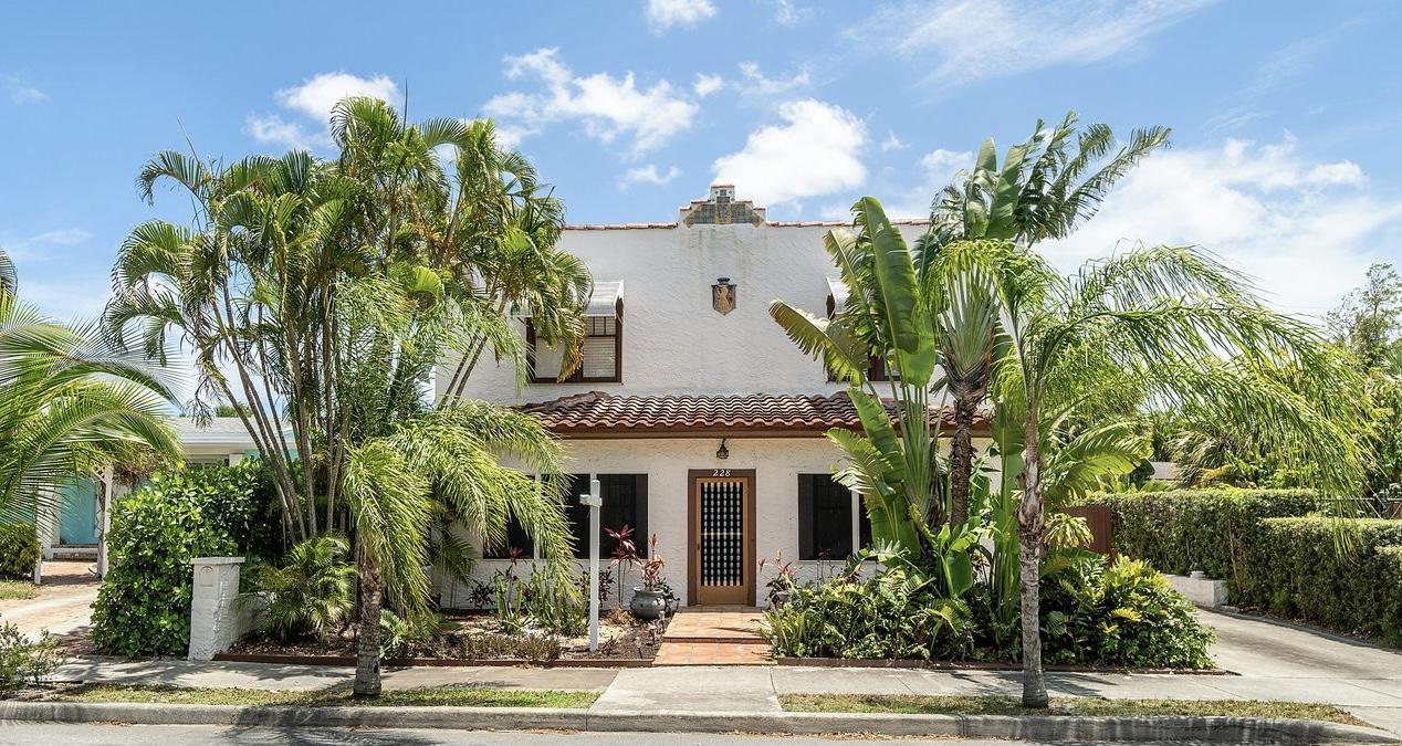 228  Greenwood Drive  For Sale 10718088, FL