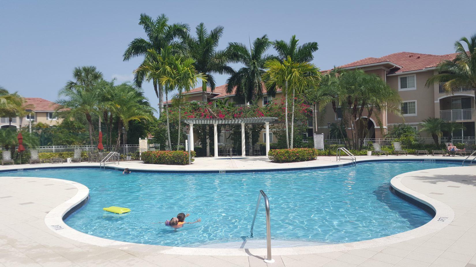 6482 Emerald Dunes Drive 301 West Palm Beach, FL 33411
