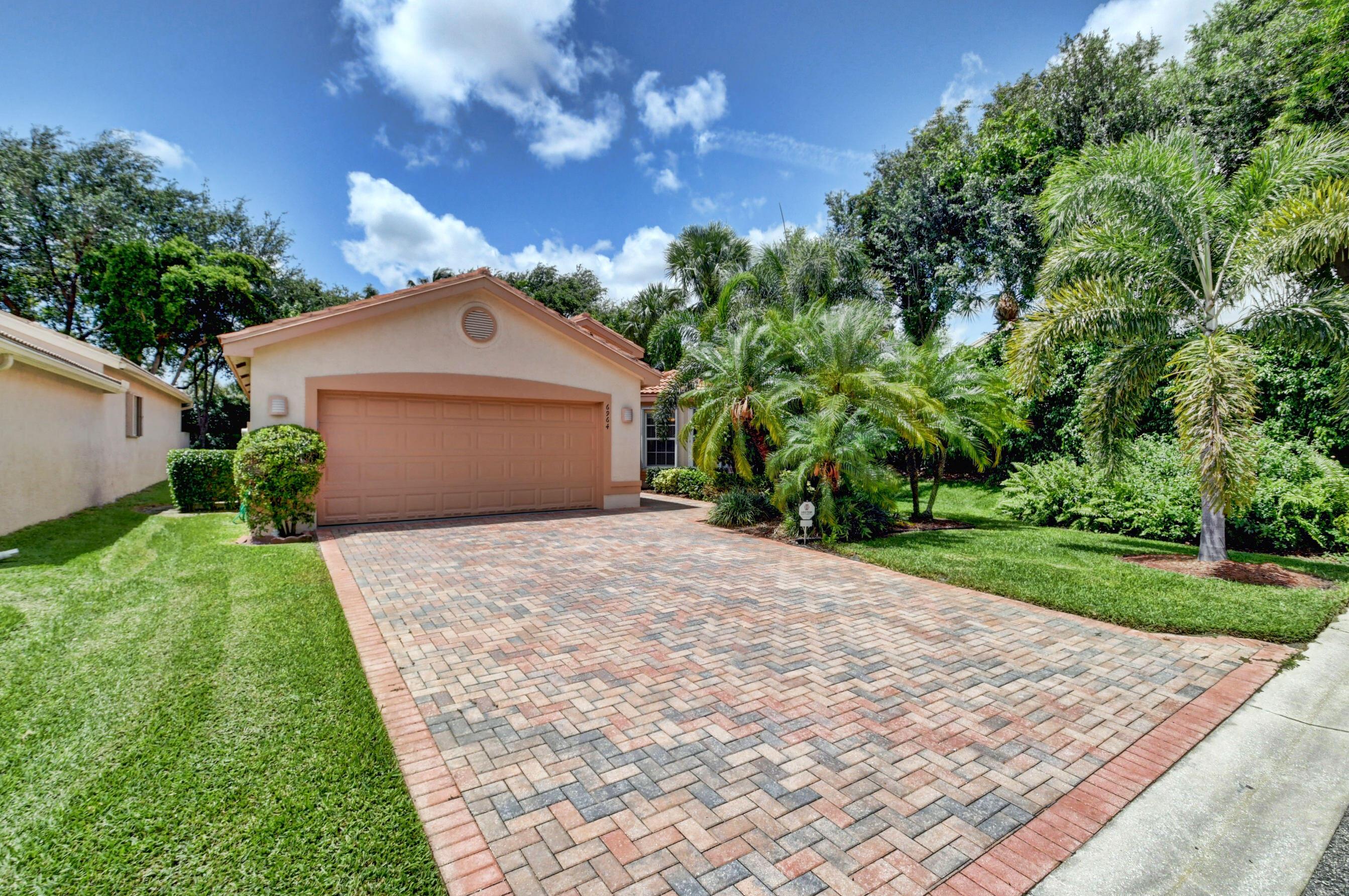 6964  Belmont Shore Drive  For Sale 10720290, FL