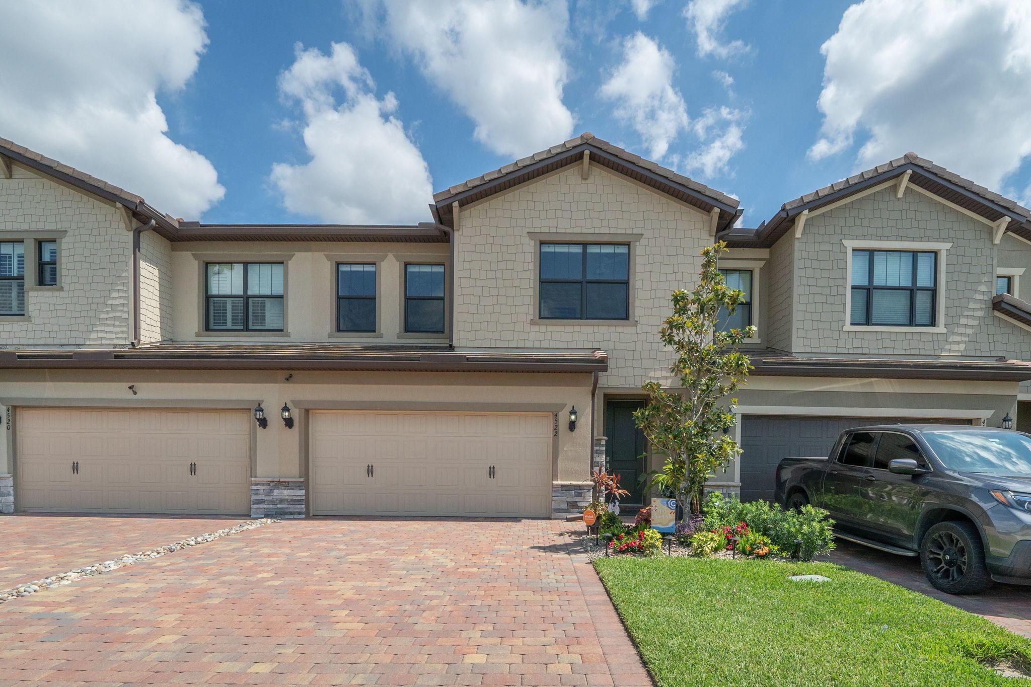 4522 San Fratello Circle Lake Worth, FL 33467