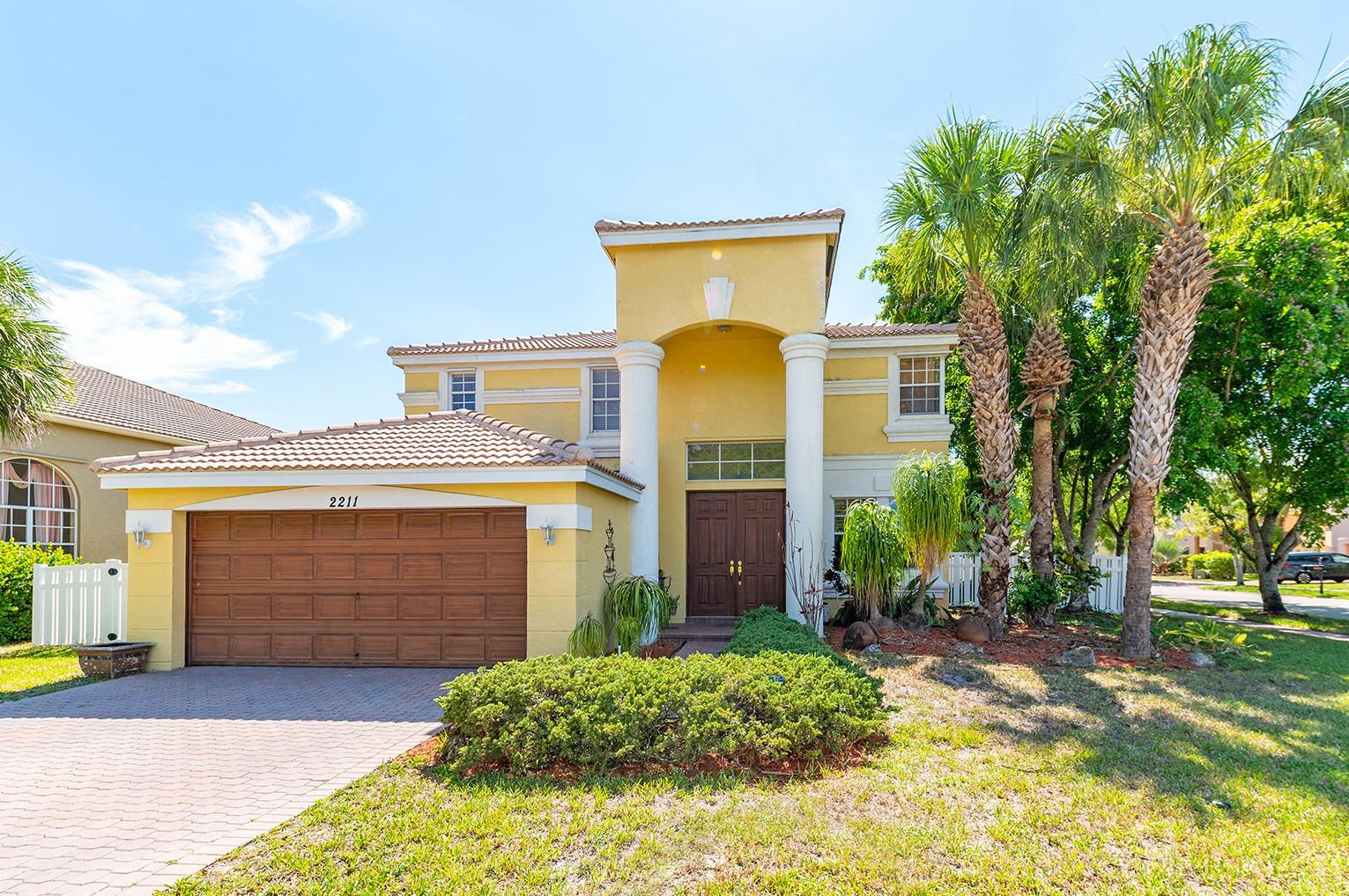 2211  Sloane Place  For Sale 10716871, FL
