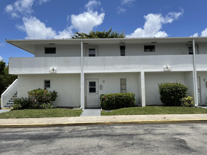 148 West Court Royal Palm Beach, FL 33411