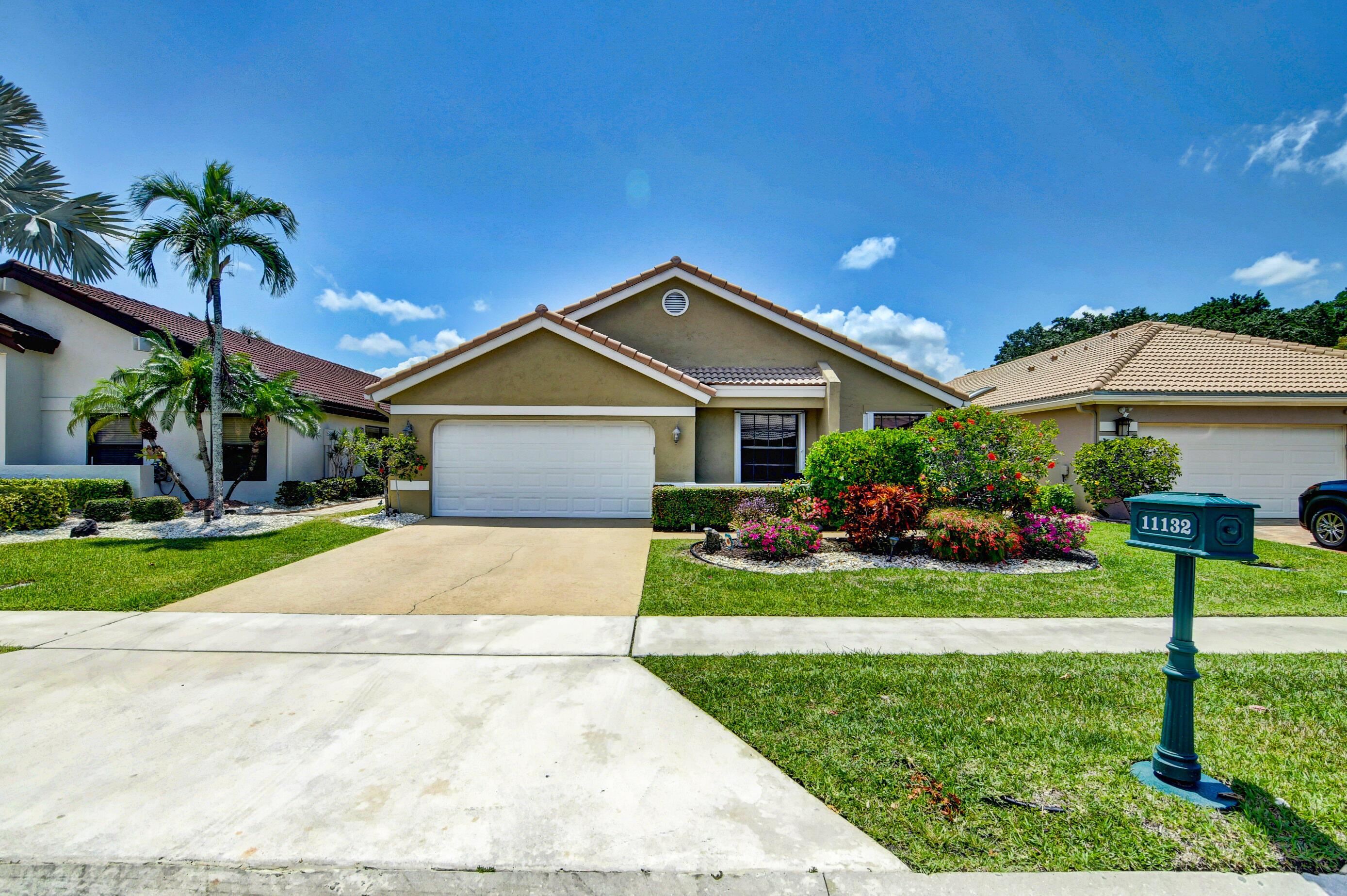 11132  Clover Leaf Circle  For Sale 10720364, FL