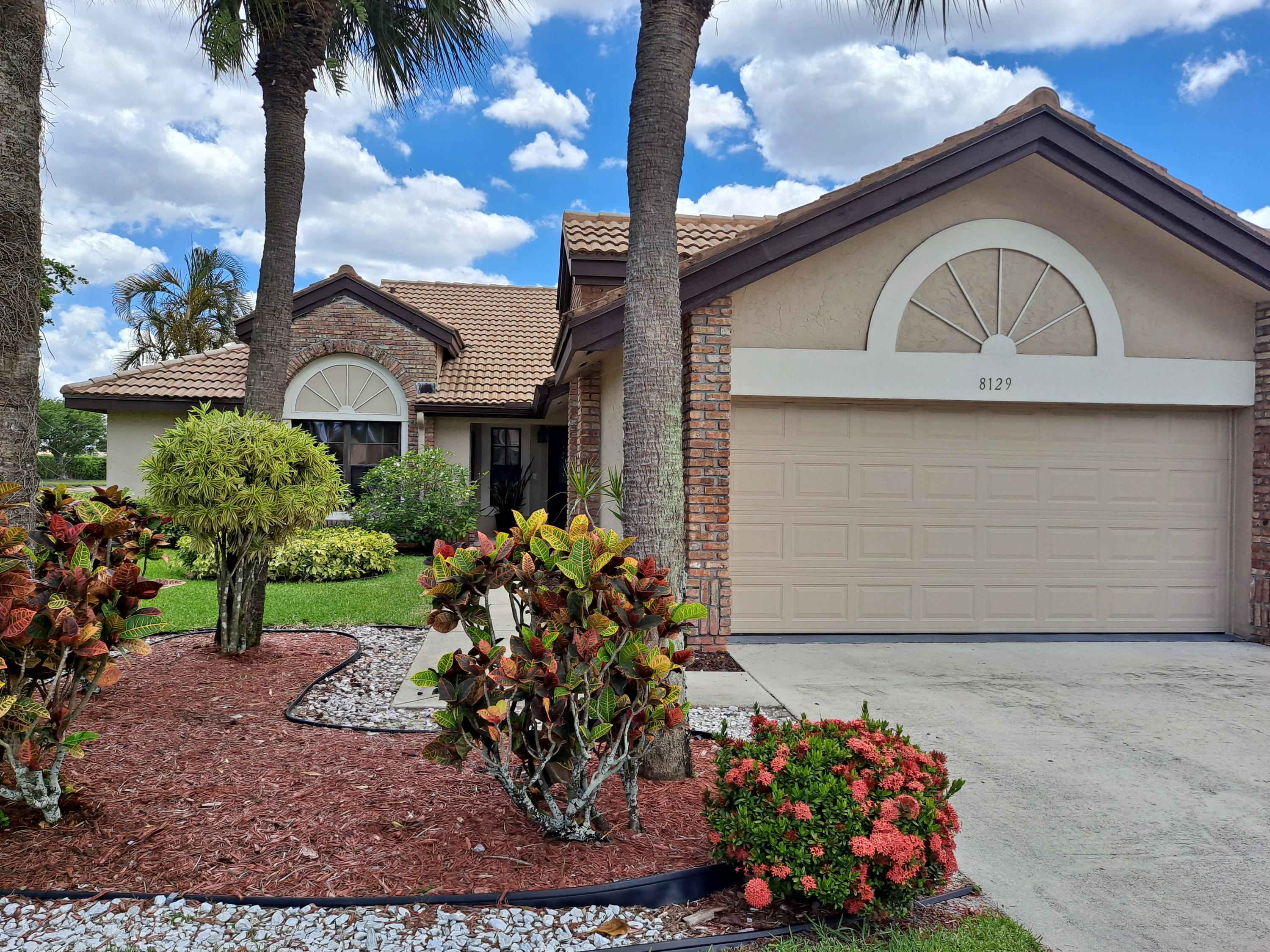 8129  Mimosa Place  For Sale 10720053, FL