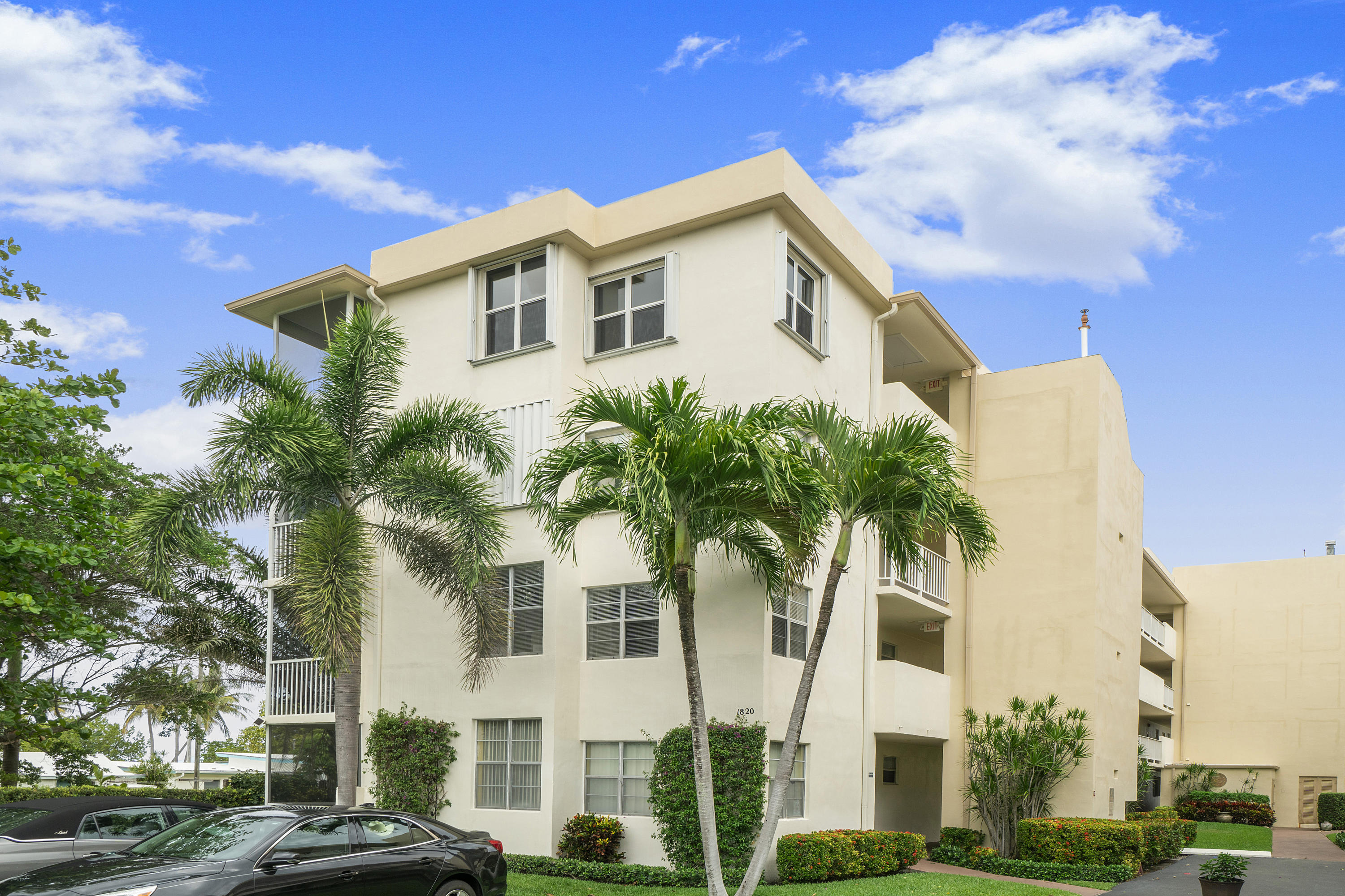 1820  New Palm Way 207 For Sale 10720283, FL