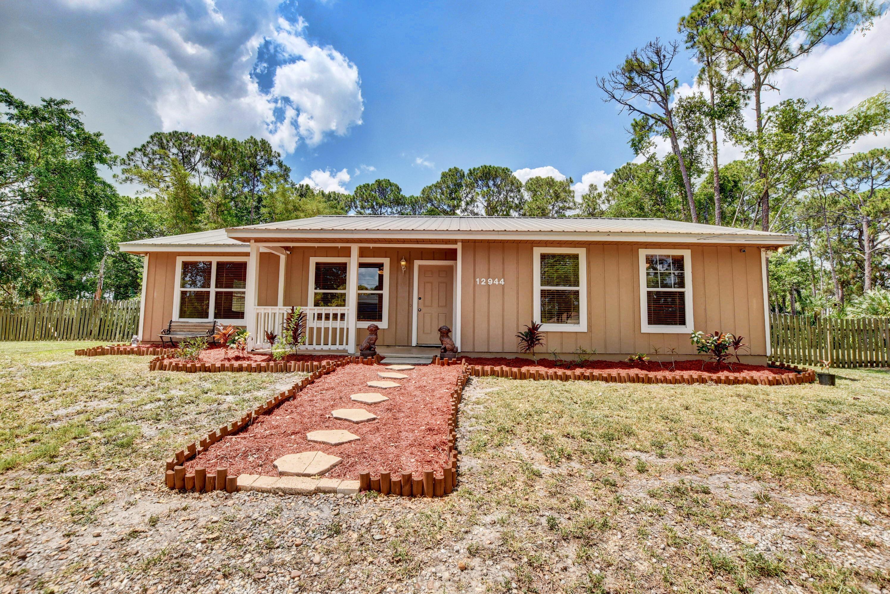 12944 N 68th Street  For Sale 10720323, FL