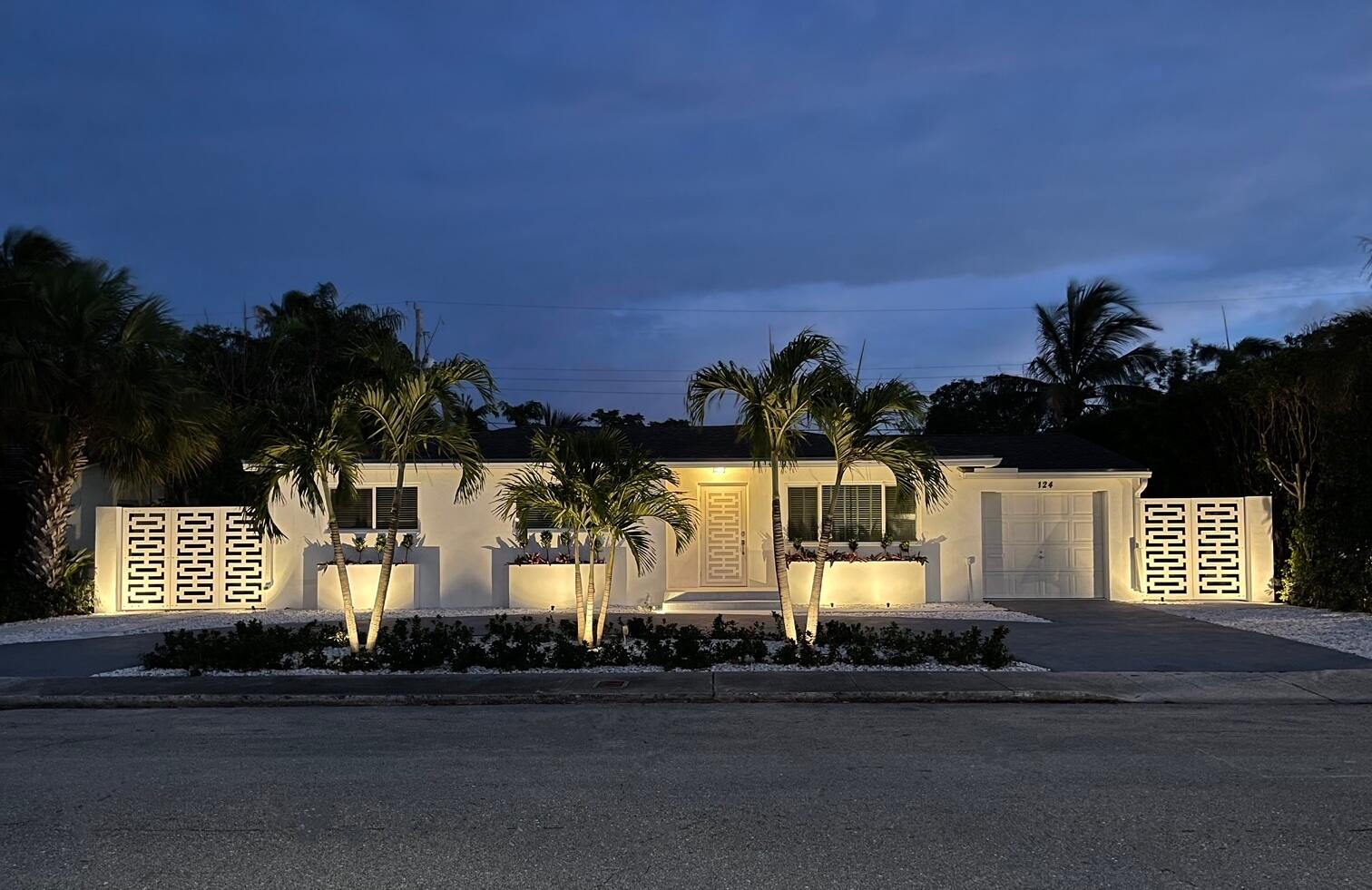 124  Gregory Place  For Sale 10720404, FL