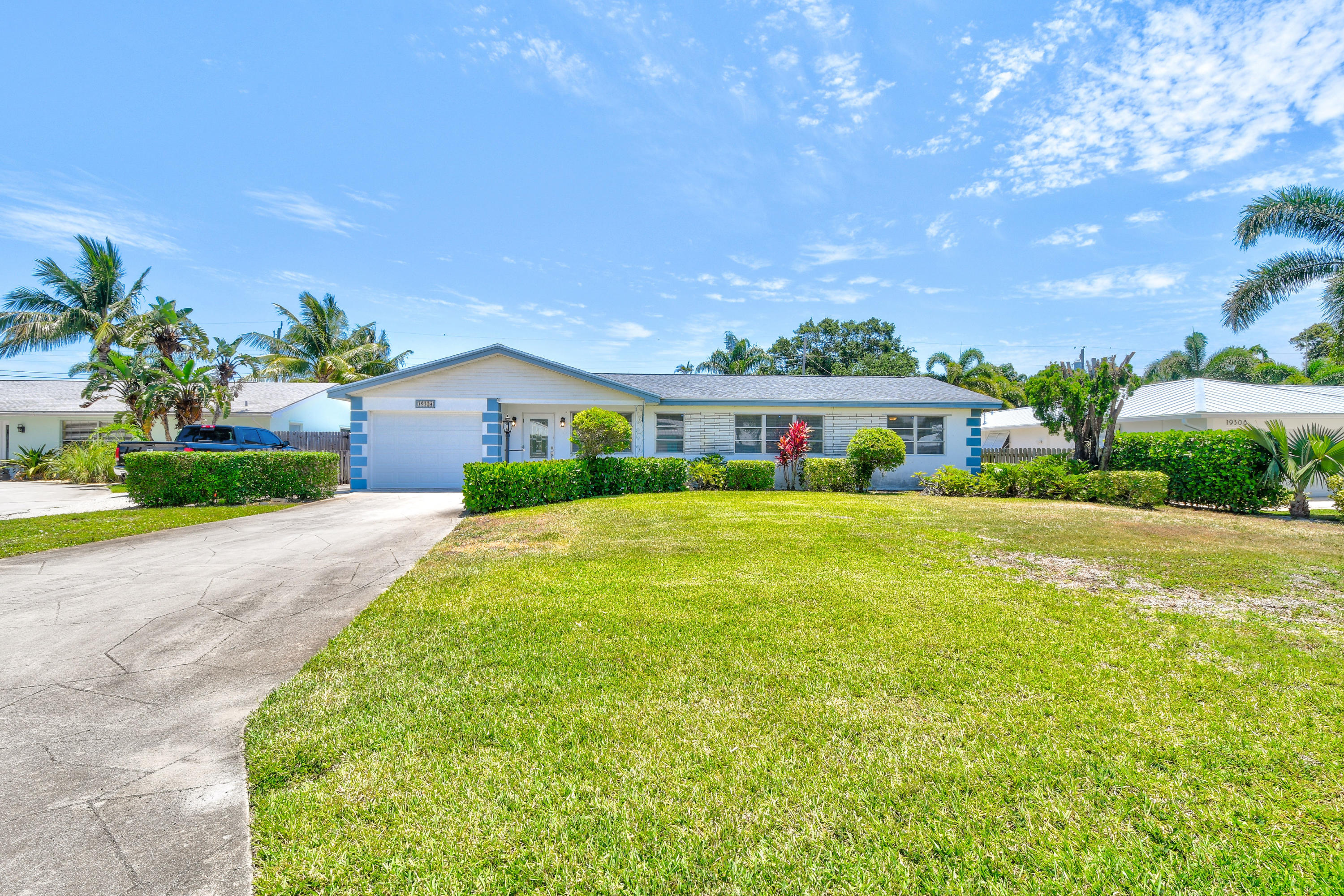 Highly desired 3 bedroom 2 bathroom CBS home in Bermuda Terrace. Enjoy water access via rare boating community which offers private boat ramp, docks, and dry storage with electric, water, tiki hut, picnic area and beach for swimming. Enjoy the spacious backyard, close to the town of Tequesta and Jupiter. HOA only mandatory for access to dock and storage!