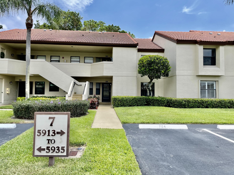 5923  Parkwalk Drive 724 For Sale 10721323, FL
