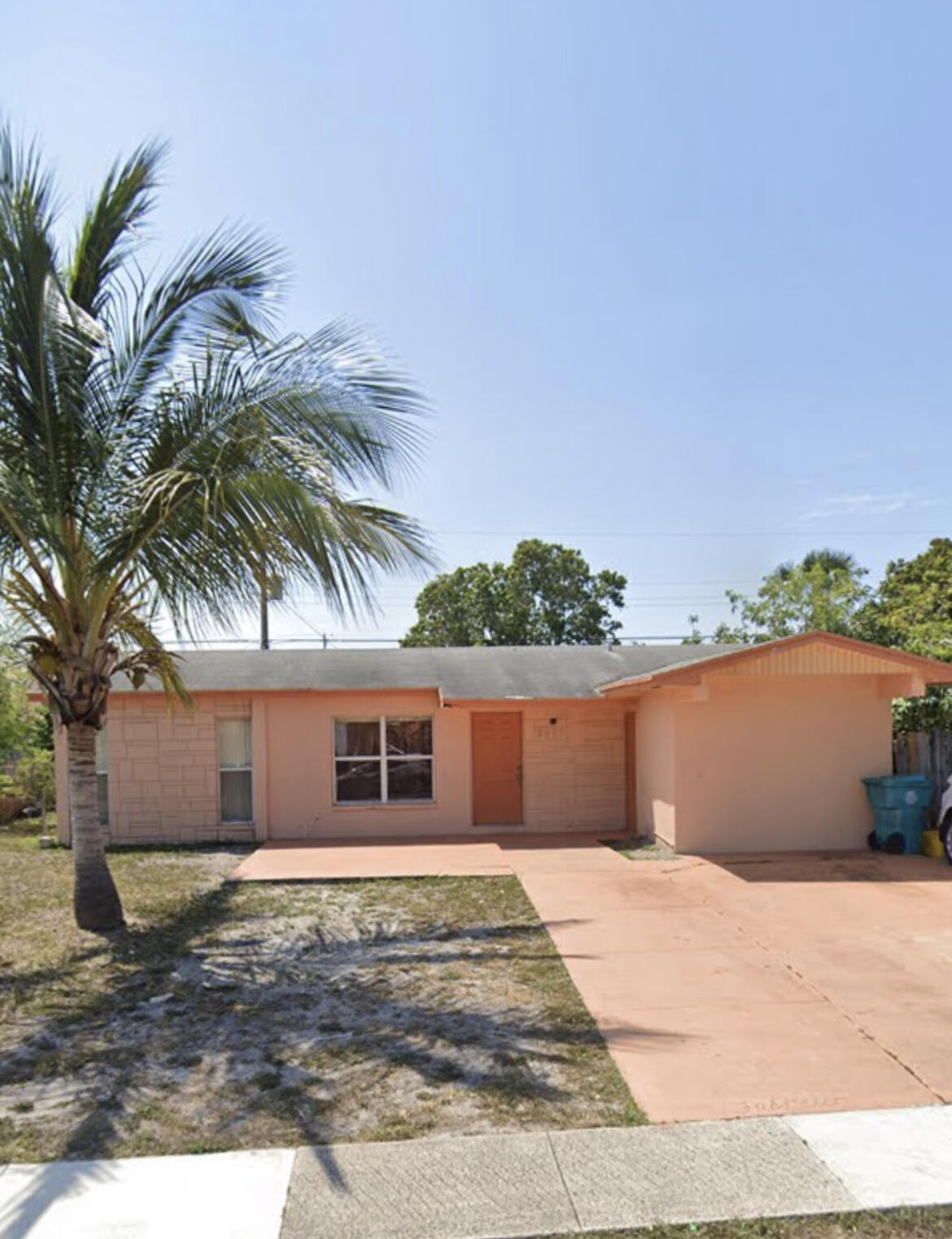 2671 NW 1st Street  For Sale 10720656, FL