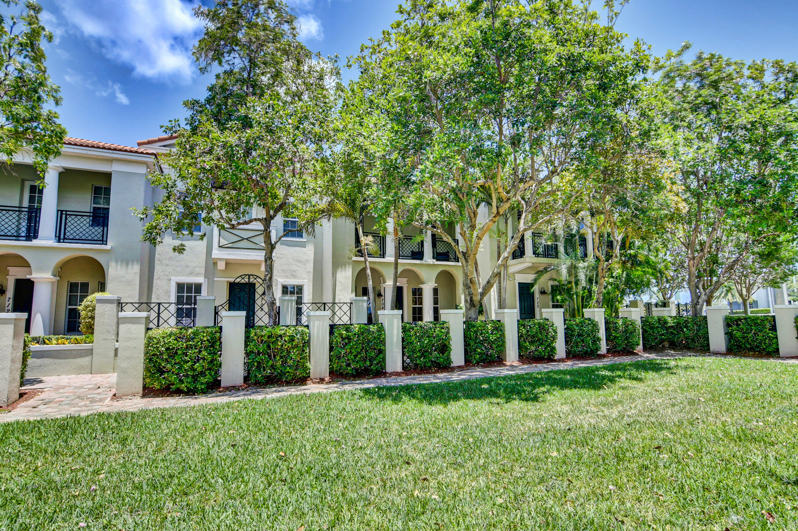 704 NW 83rd Place  For Sale 10720684, FL