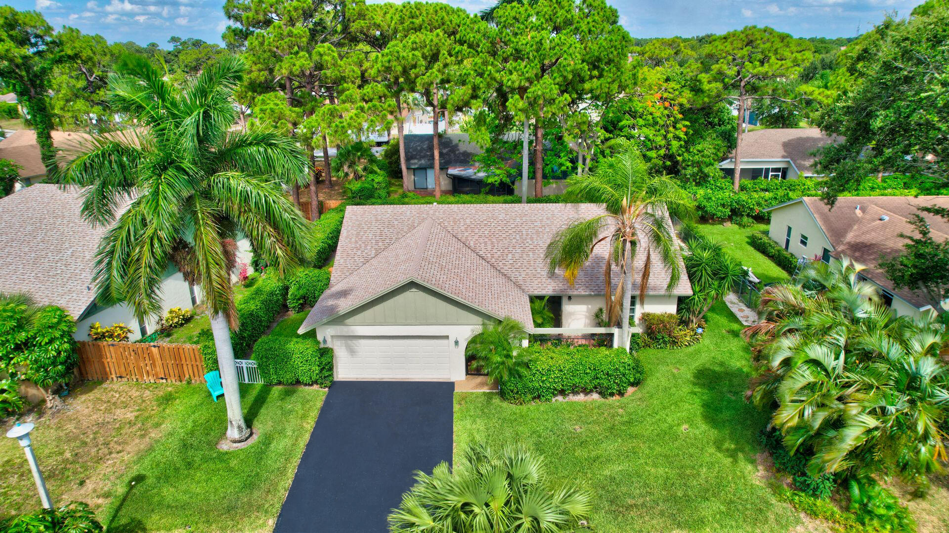 898 NW 39th Avenue  For Sale 10720701, FL
