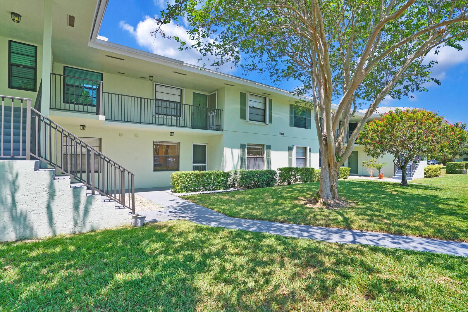 1801 Sabal Ridge Court B Palm Beach Gardens, FL 33418