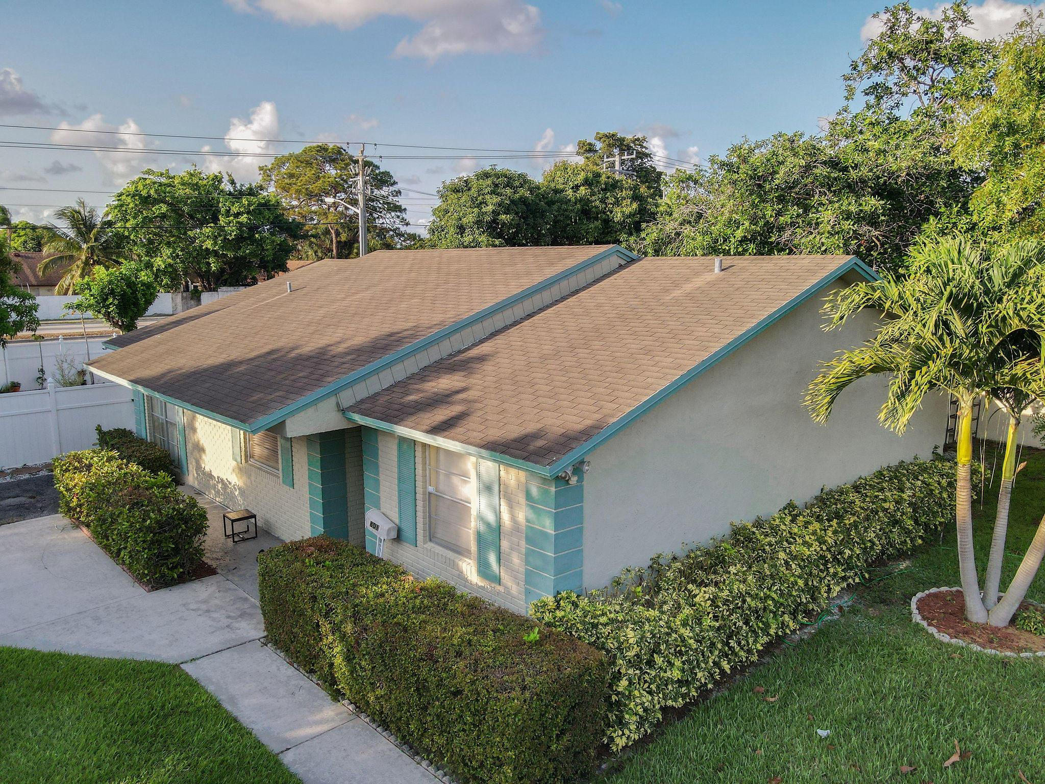 801 E Chatelaine Boulevard  For Sale 10720739, FL