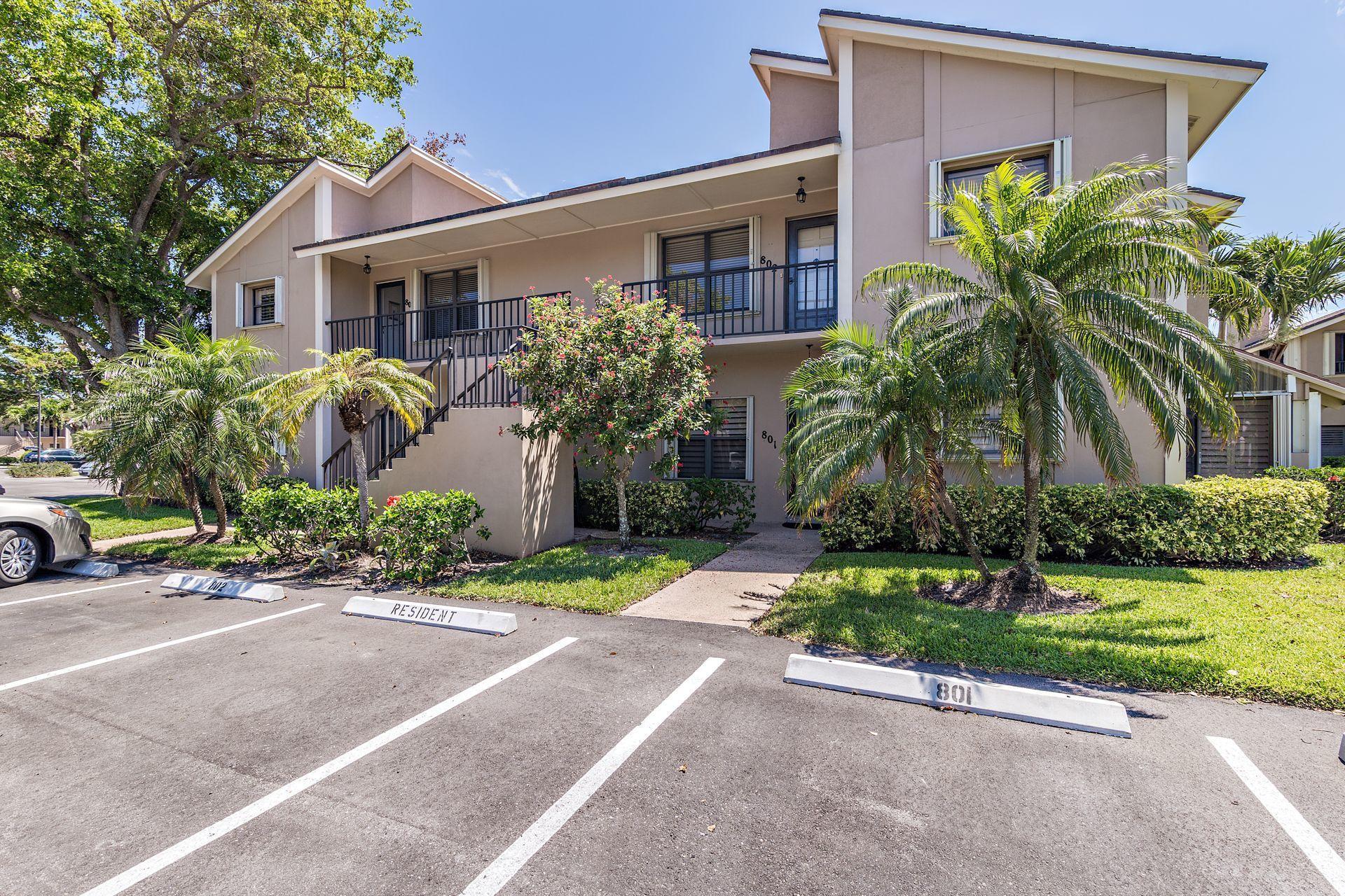 802 Clubhouse Circle Jupiter, FL 33477