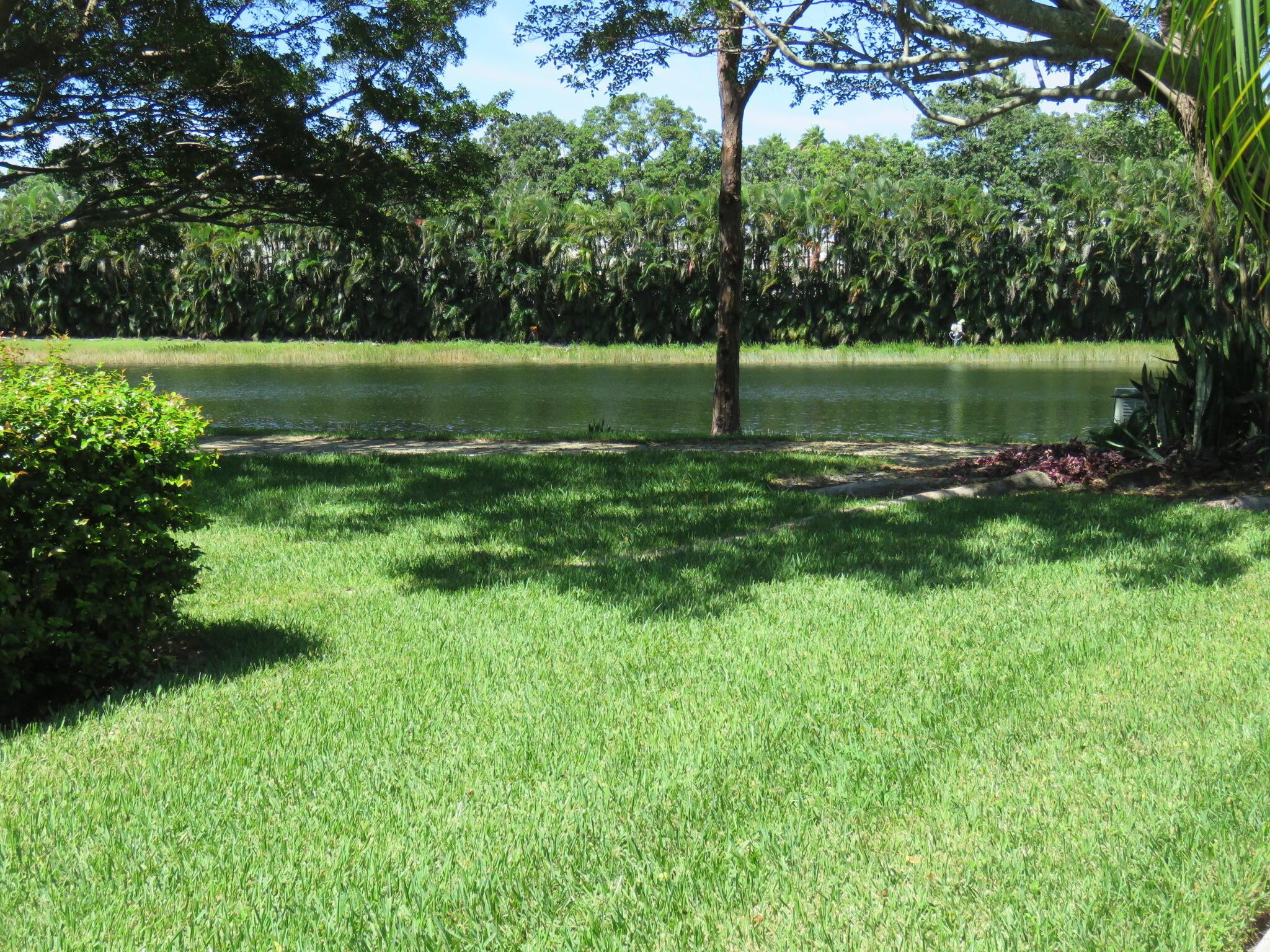 819 8th Terrace Palm Beach Gardens, FL 33418 photo 2