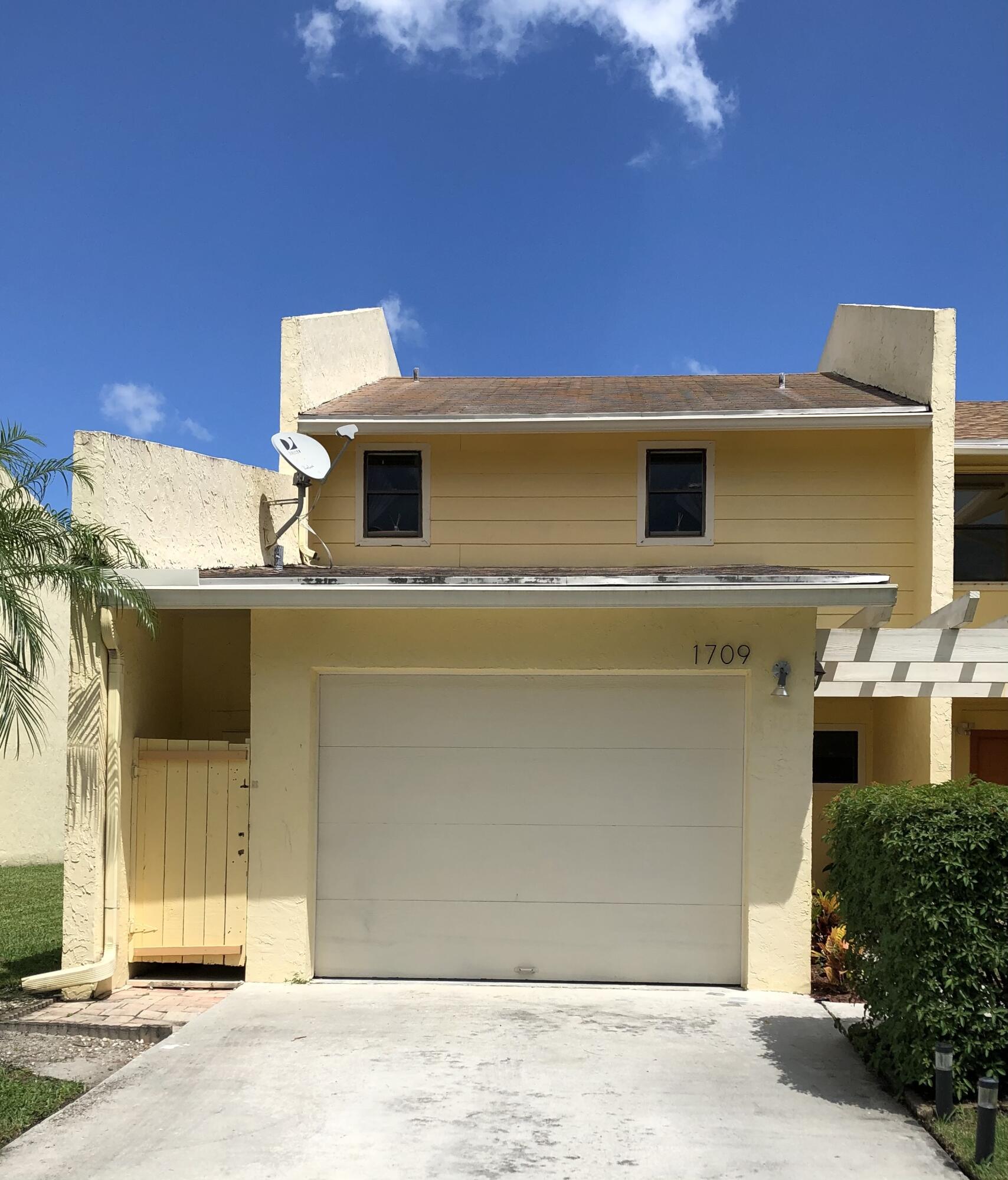 1709 Woodbridge Lakes Circle West Palm Beach, FL 33406