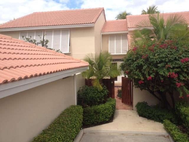 218  Old Meadow Way  For Sale 10725941, FL
