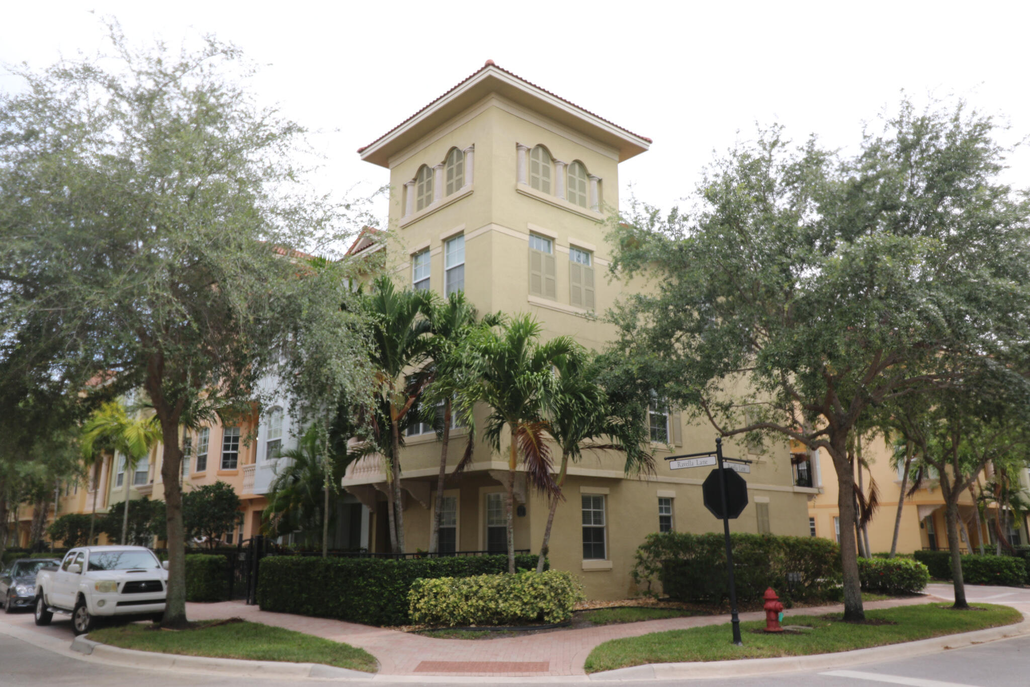 Beautiful, spacious 3 story townhouse in the heart of Palm Beach Gardens. As close as it gets to shopping, restaurants, and all that South Florida has to offer, while still only a 5-10 minute drive to beach. This townhouse is a corner-unit, with eastern exposure, allowing great natural light to exist throughout the home. Two balconies facing east and west.  Master suite situated upstairs, with extra large closet and double vanity bathroom. Large walk-in shower, with a large Roman bathtub. Harbour Oaks community offers a gated, private entrance and a clubhouse complete with a fitness room, gym, jacuzzi, and community room.