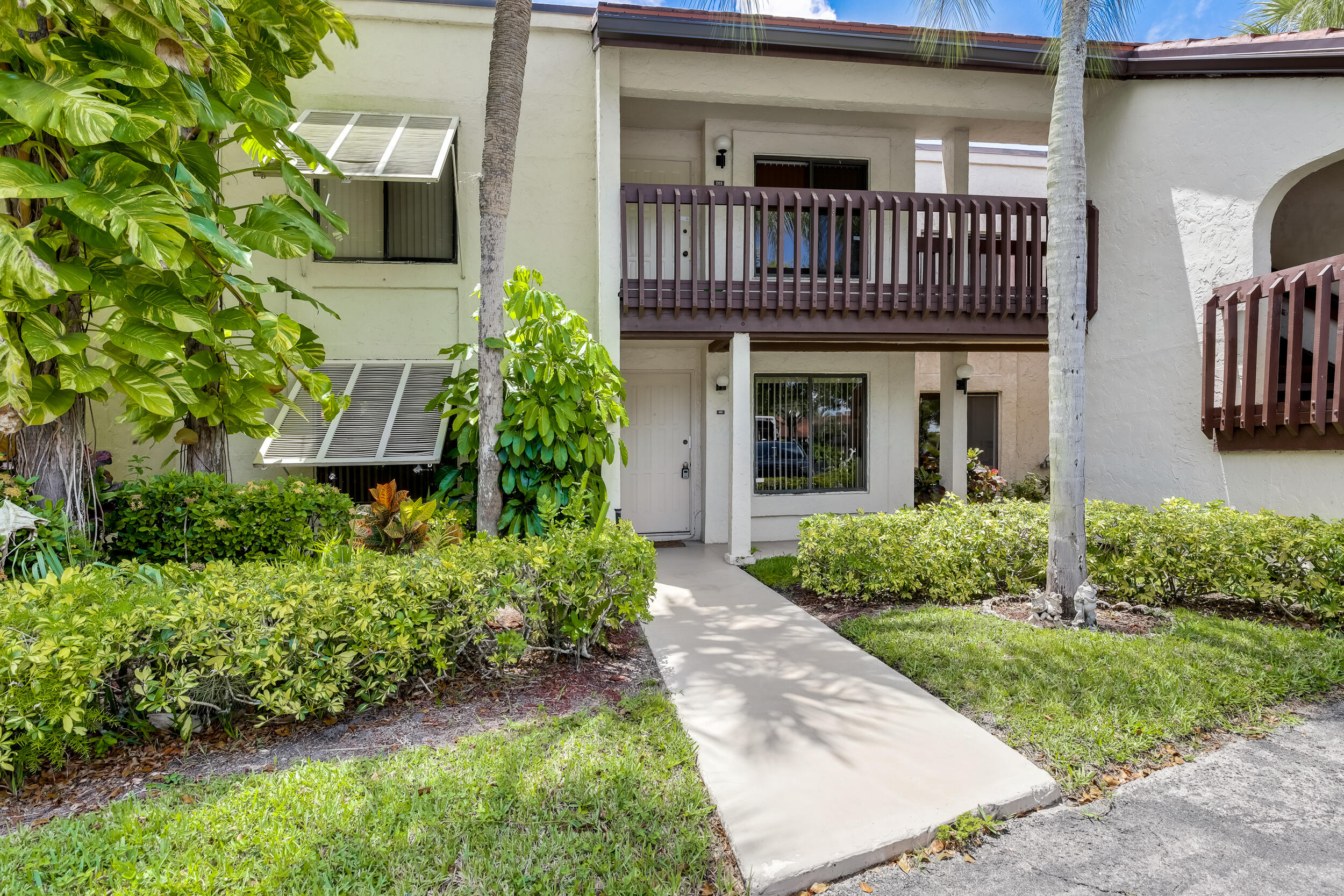 10155 Mangrove Drive 103 Boynton Beach, FL 33437