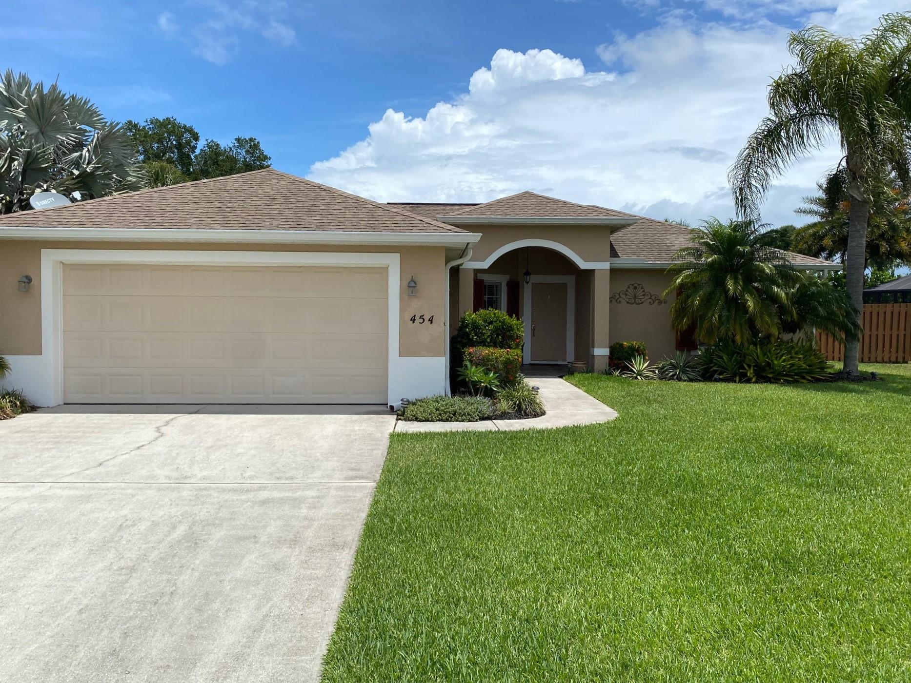 Home for sale in HIGH HAWK OF VERO BEACH PHASE 1 Vero Beach Florida