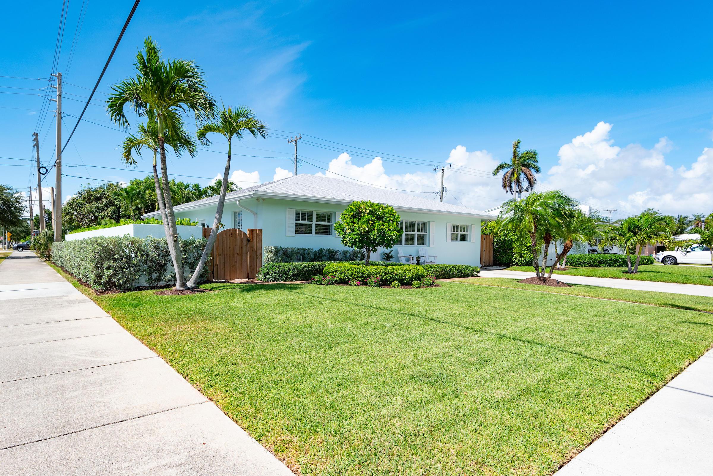 300 Lytle Street West Palm Beach, FL 33405 photo 2