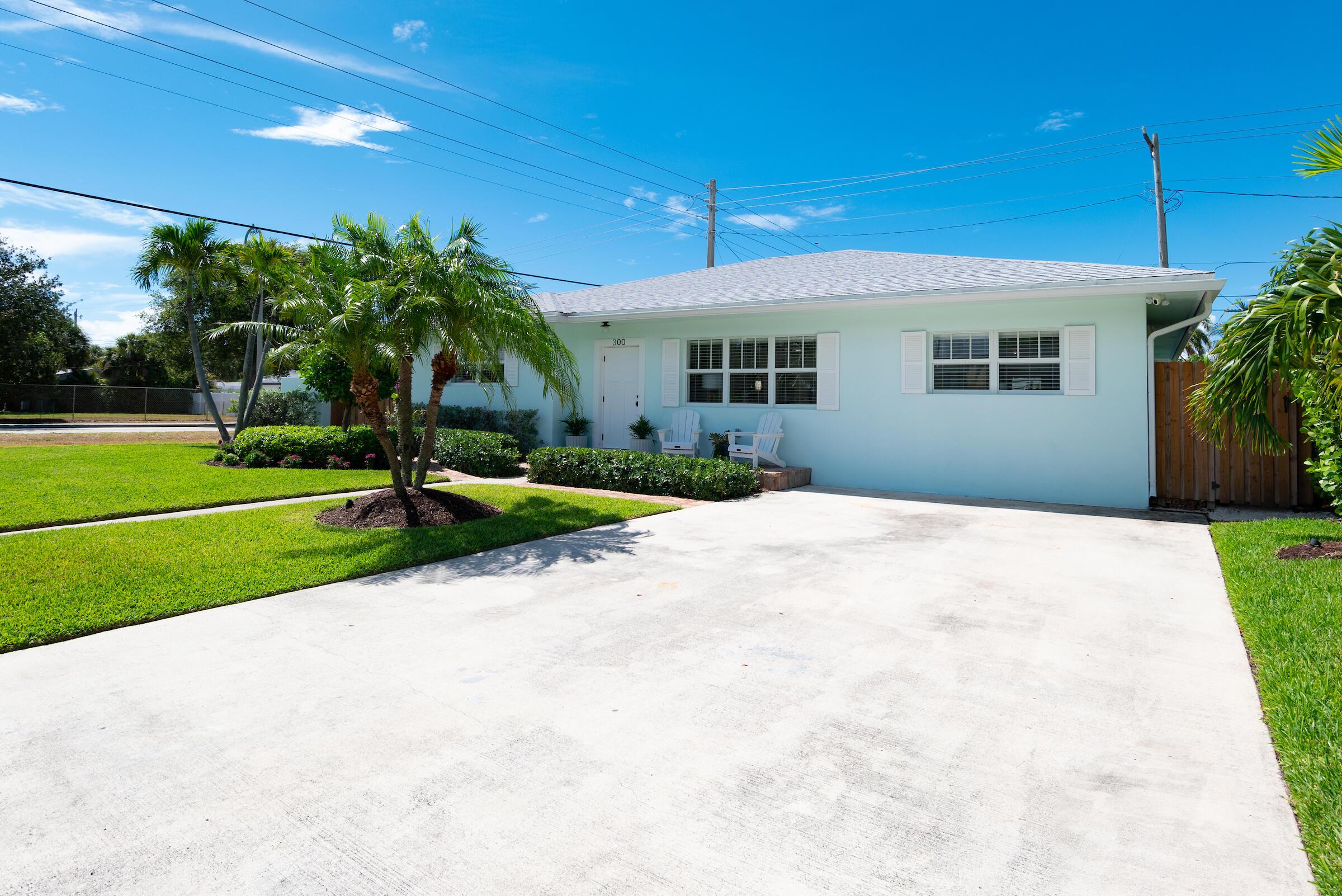 300 Lytle Street West Palm Beach, FL 33405 photo 3