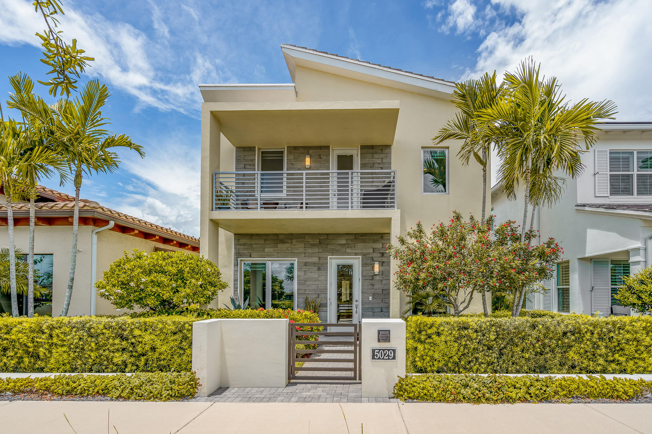 5029 Grandiflora Road Palm Beach Gardens, FL 33418