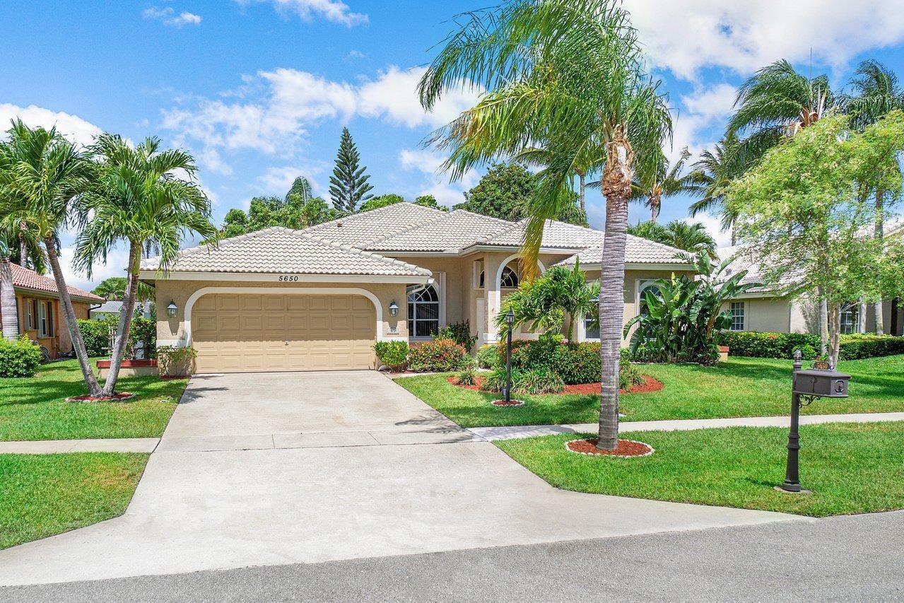 5650  Aspen Ridge Circle  For Sale 10721360, FL