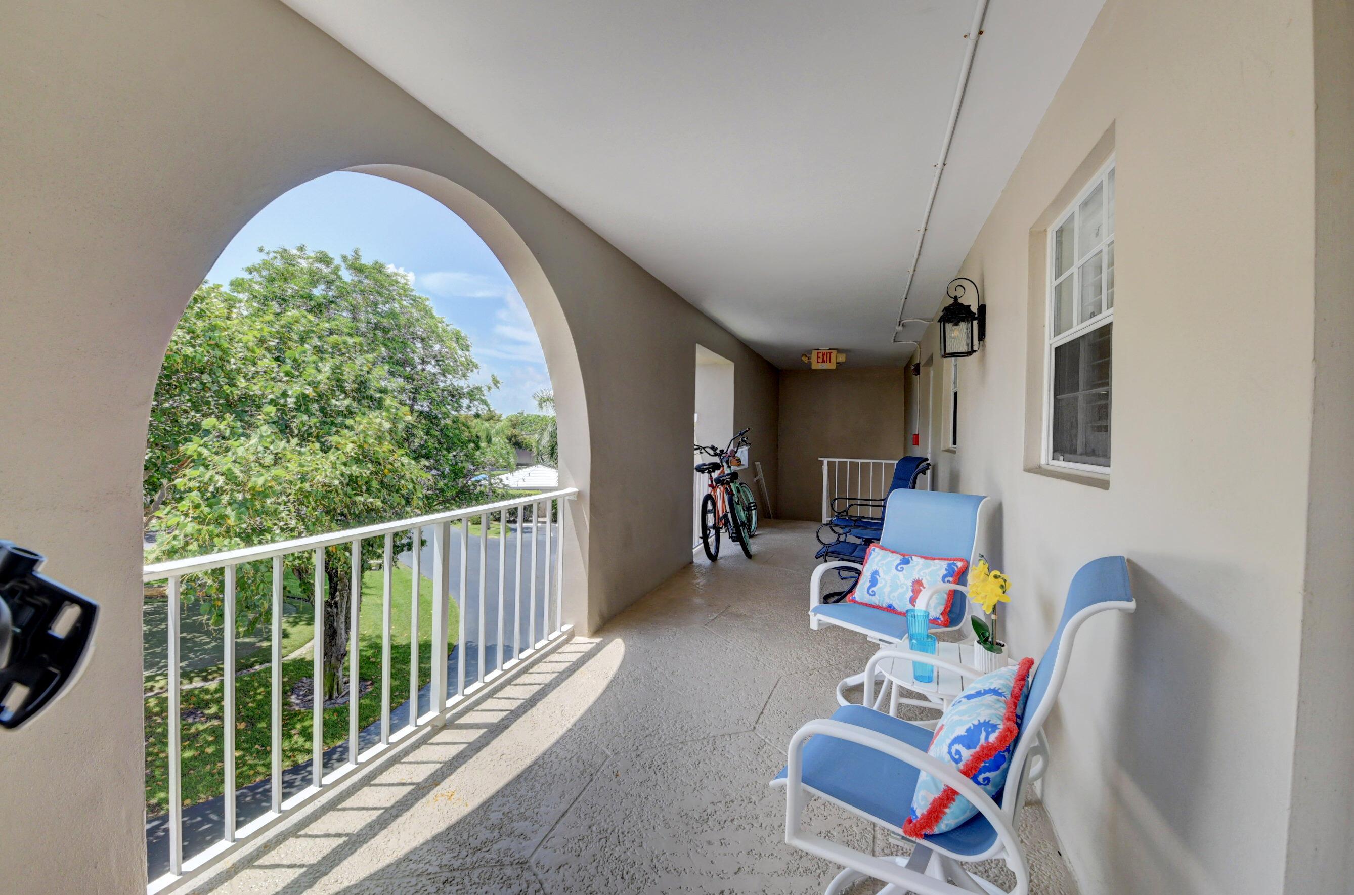 775 Jeffery Street 302 Boca Raton, FL 33487 photo 3