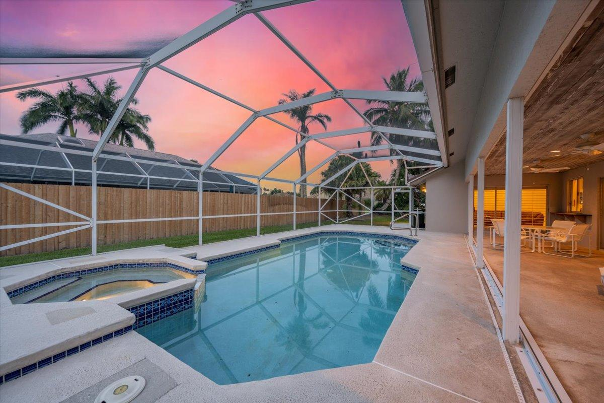 1562  Goodwood Terrace  For Sale 10721516, FL