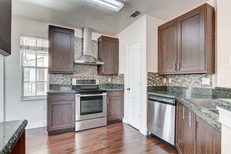 110  Belmont Place  For Sale 10721567, FL
