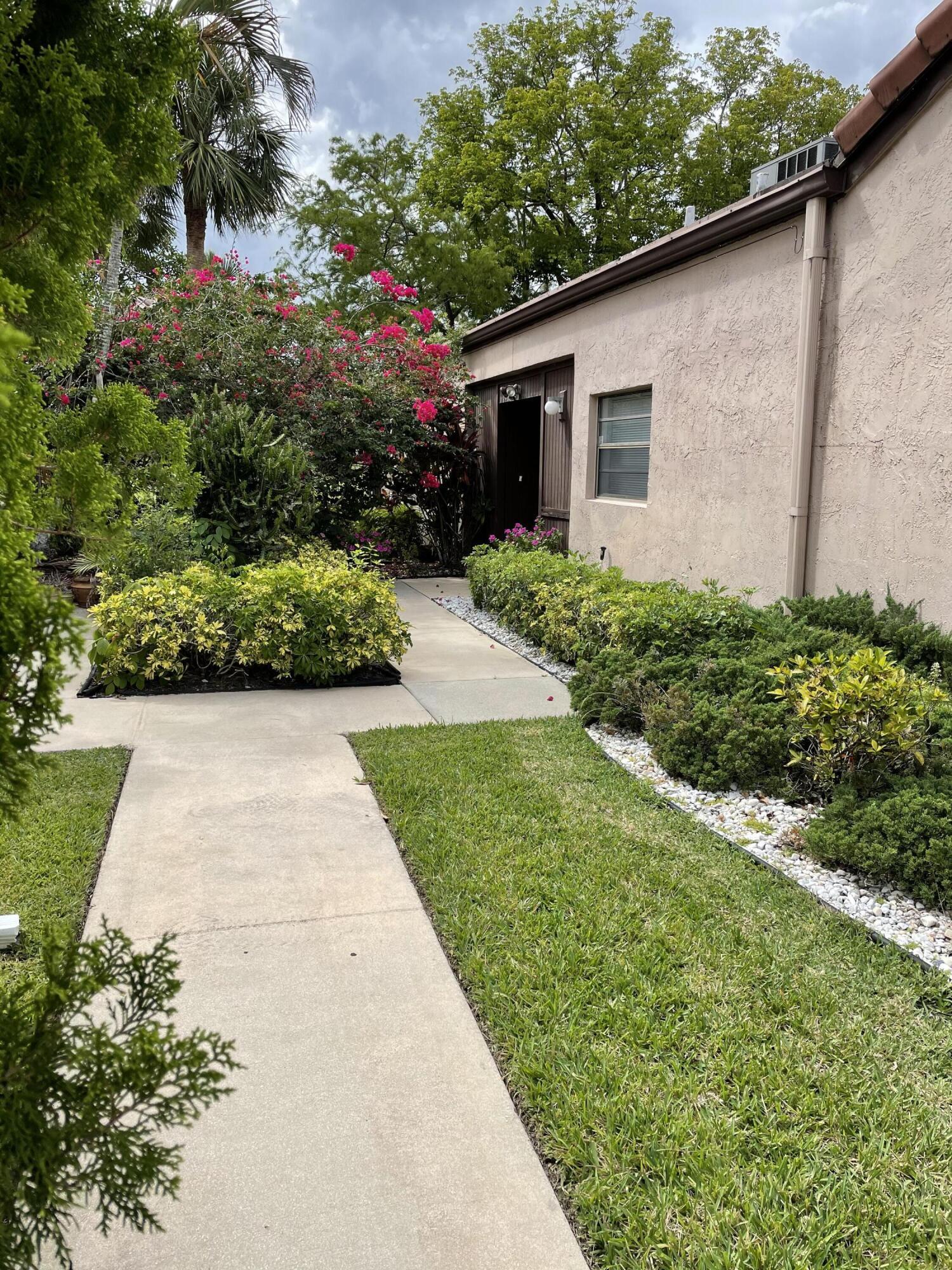 9259  Pecky Cypress Lane 13a For Sale 10721727, FL