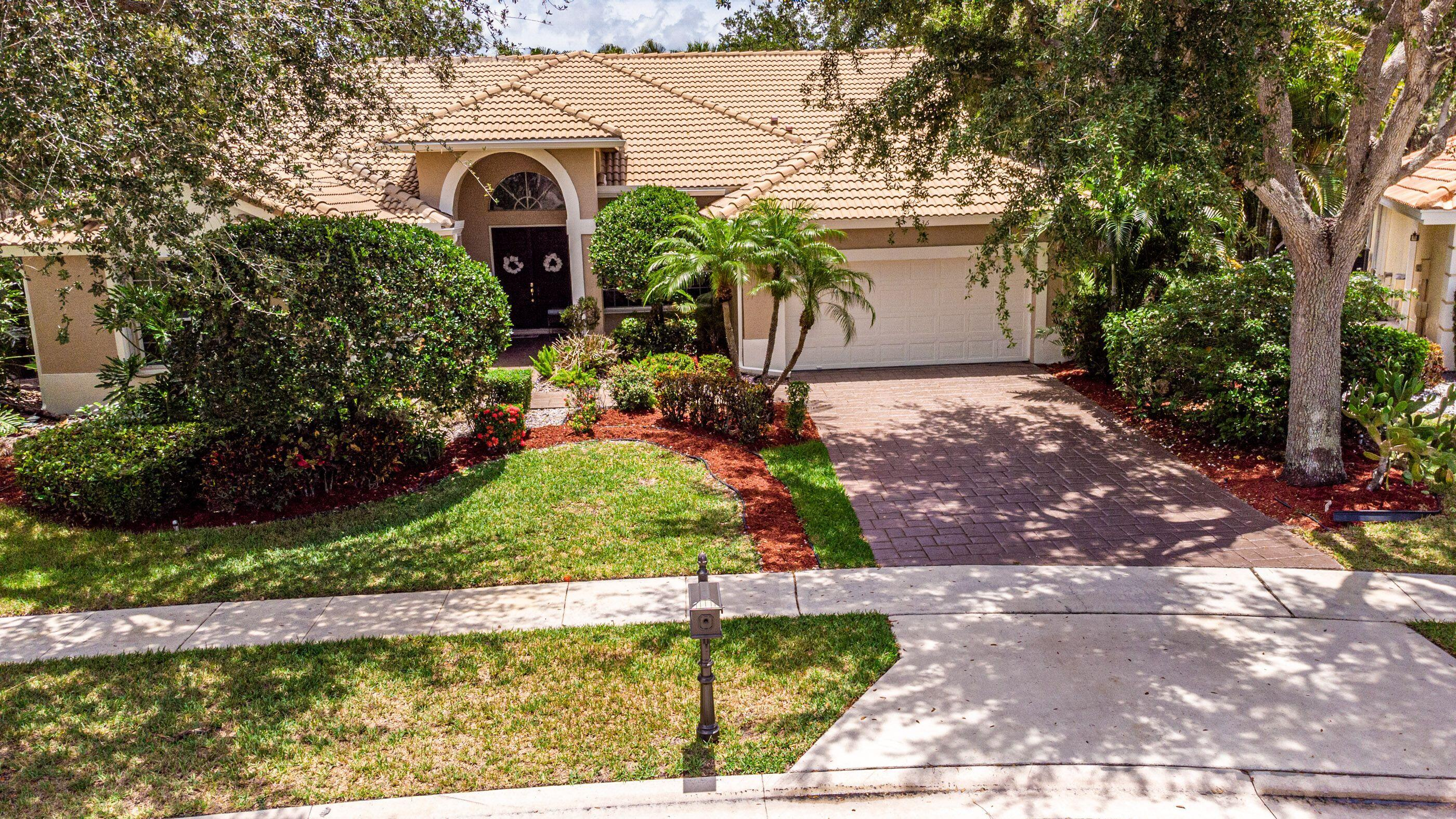 7636  Dorchester Road  For Sale 10721799, FL