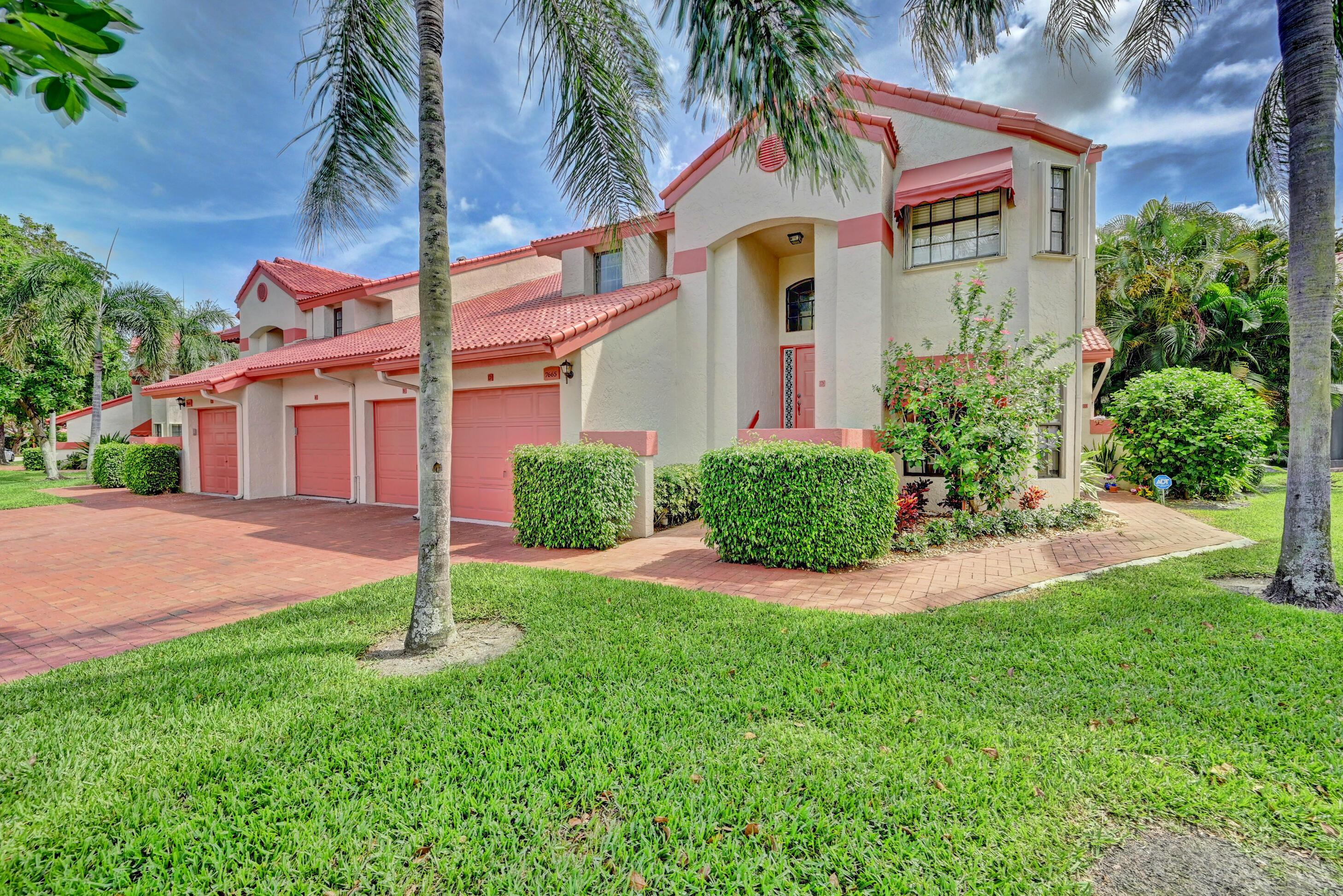 7665  Lexington Club Boulevard D For Sale 10721884, FL