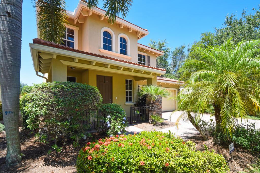633 Castle Drive  Palm Beach Gardens FL 33410