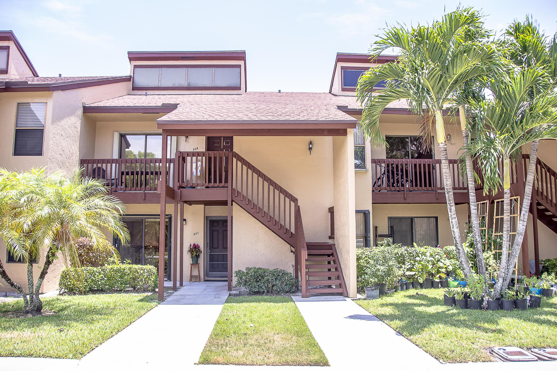 507 Lakeview Drive Royal Palm Beach, FL 33411 photo 2