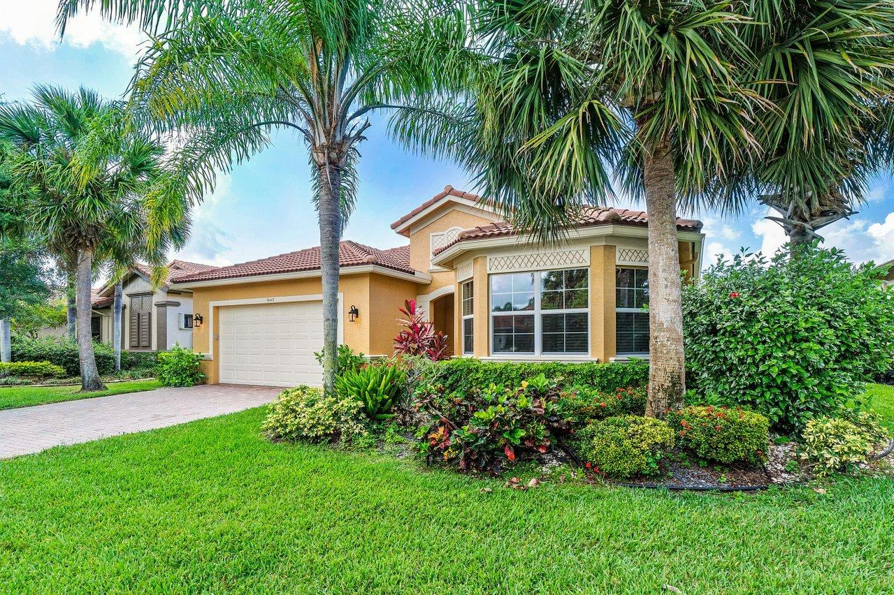 9147  Isles Cay Drive  For Sale 10721647, FL