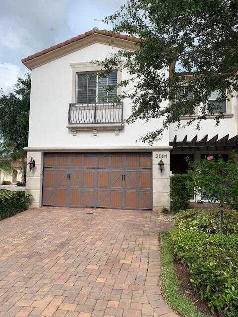 2001  Foxtail View Court  For Sale 10721974, FL
