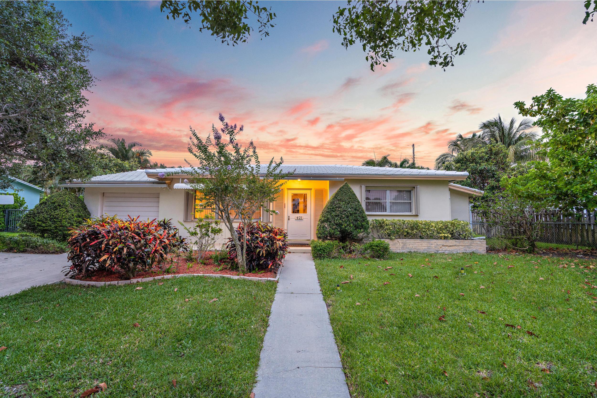 421  Ebbtide Drive  For Sale 10722096, FL